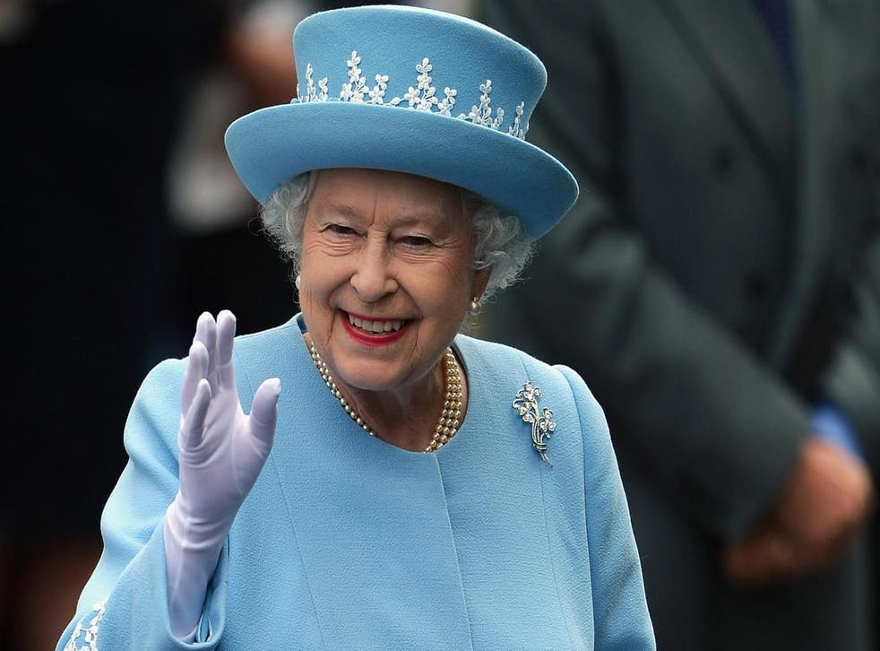 Why the Queen prefers round ice cubes (Getty)