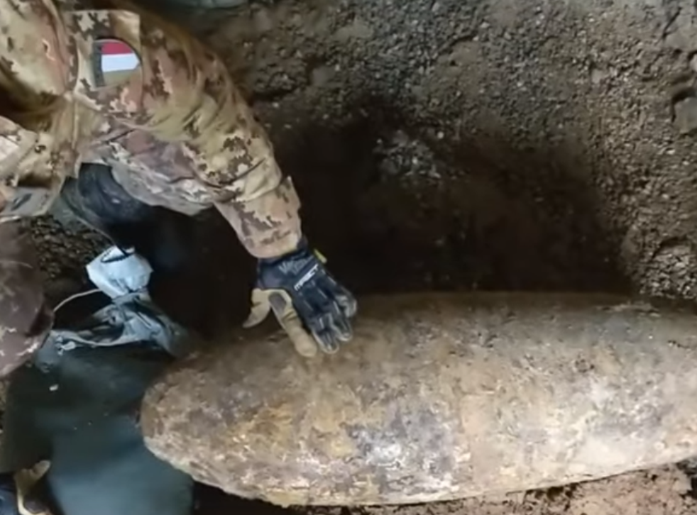 Turin defused a Second World War bomb after it was discovered on a construction site