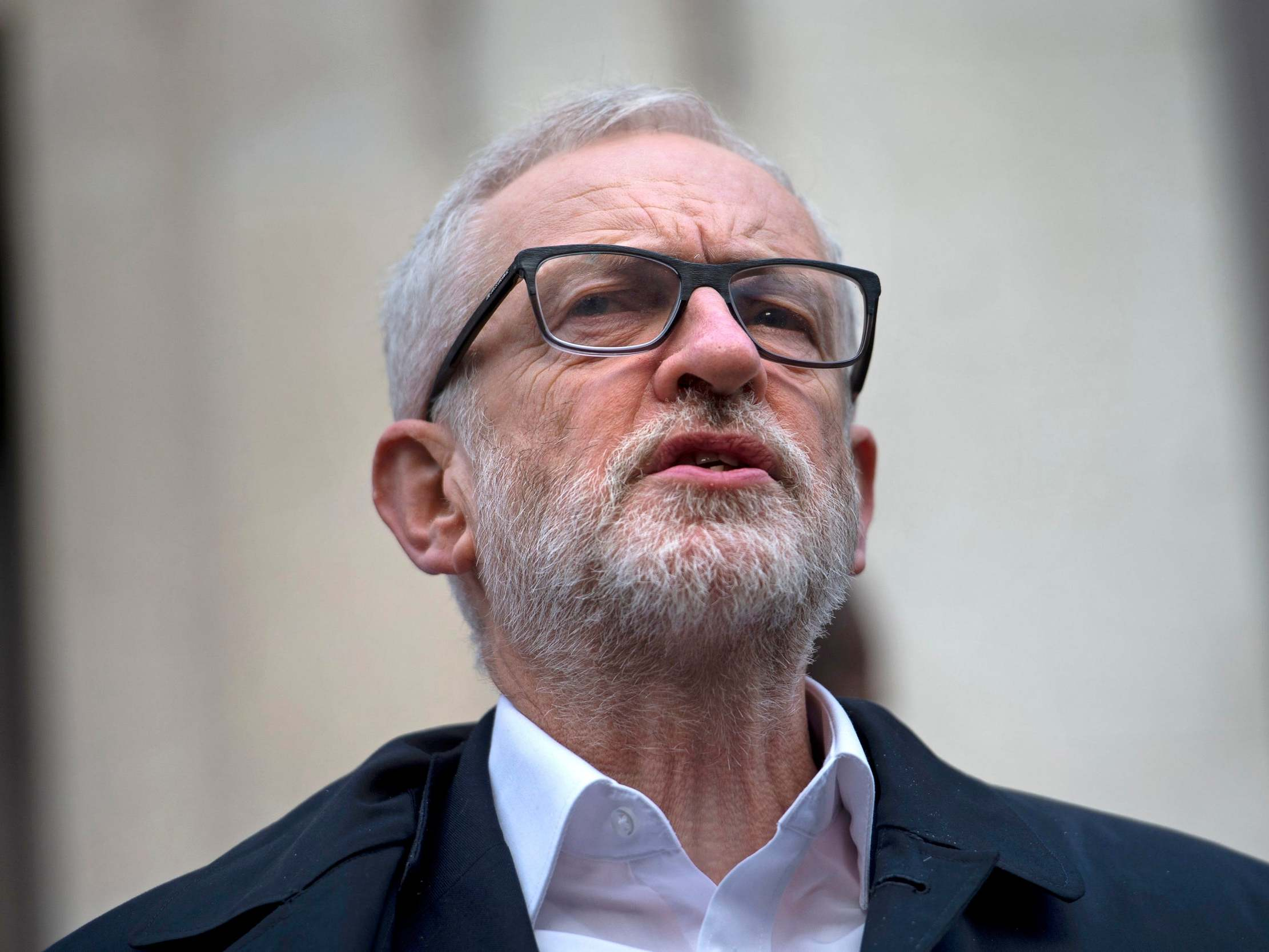 Corbyn will give up PM's Chequers retreat in protest against homeles…