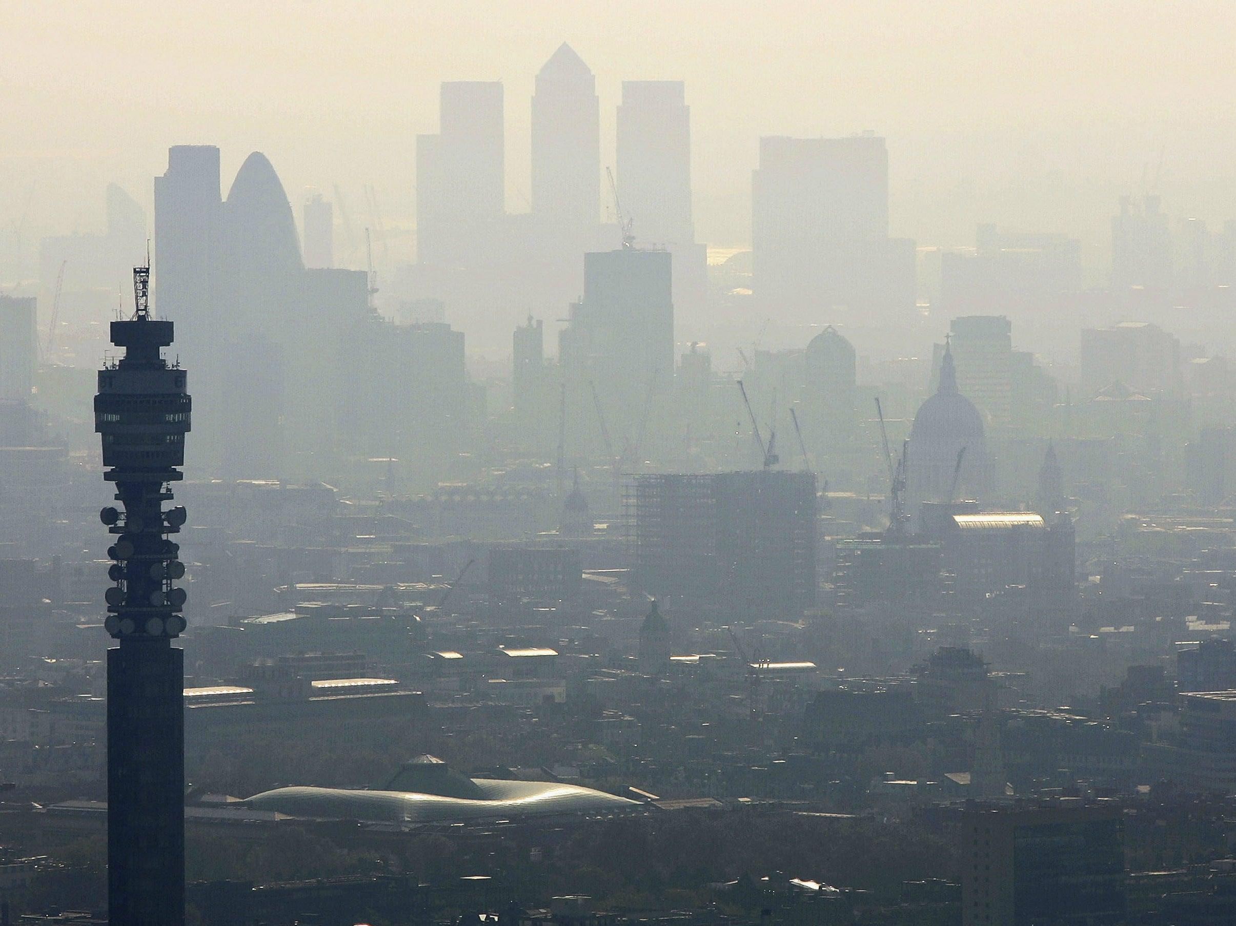 Breathing London air same as smoking 150 cigarettes a year, experts warn