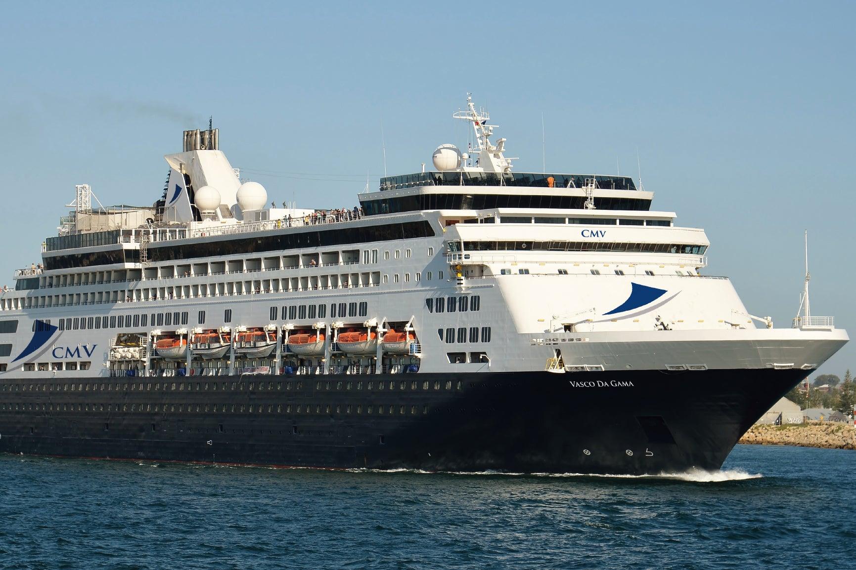 Cruise ship left drifting off coast of Australia after power 'blacko…