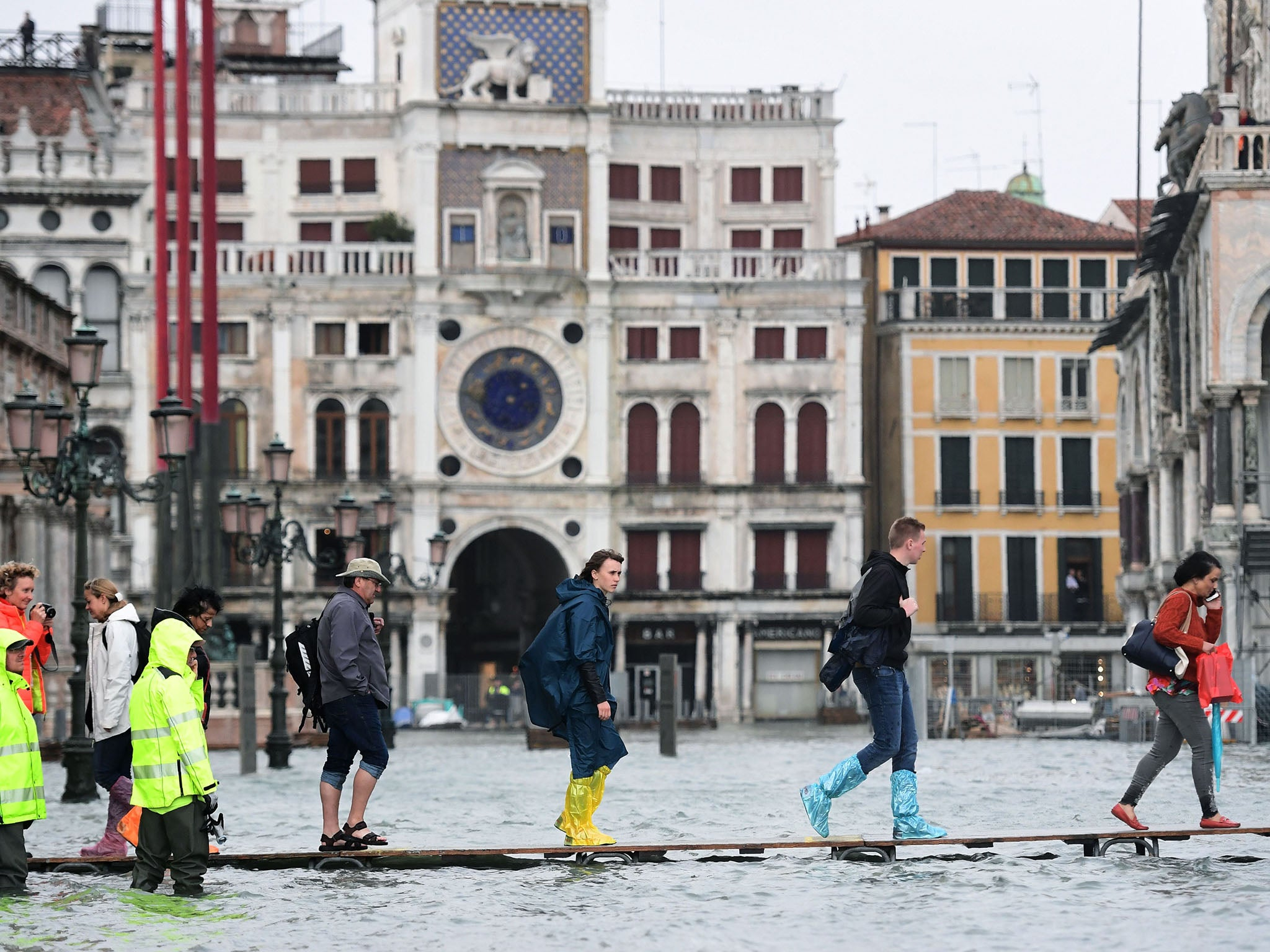 Venice brings in giant barriers to stop city being swallowed by risi…