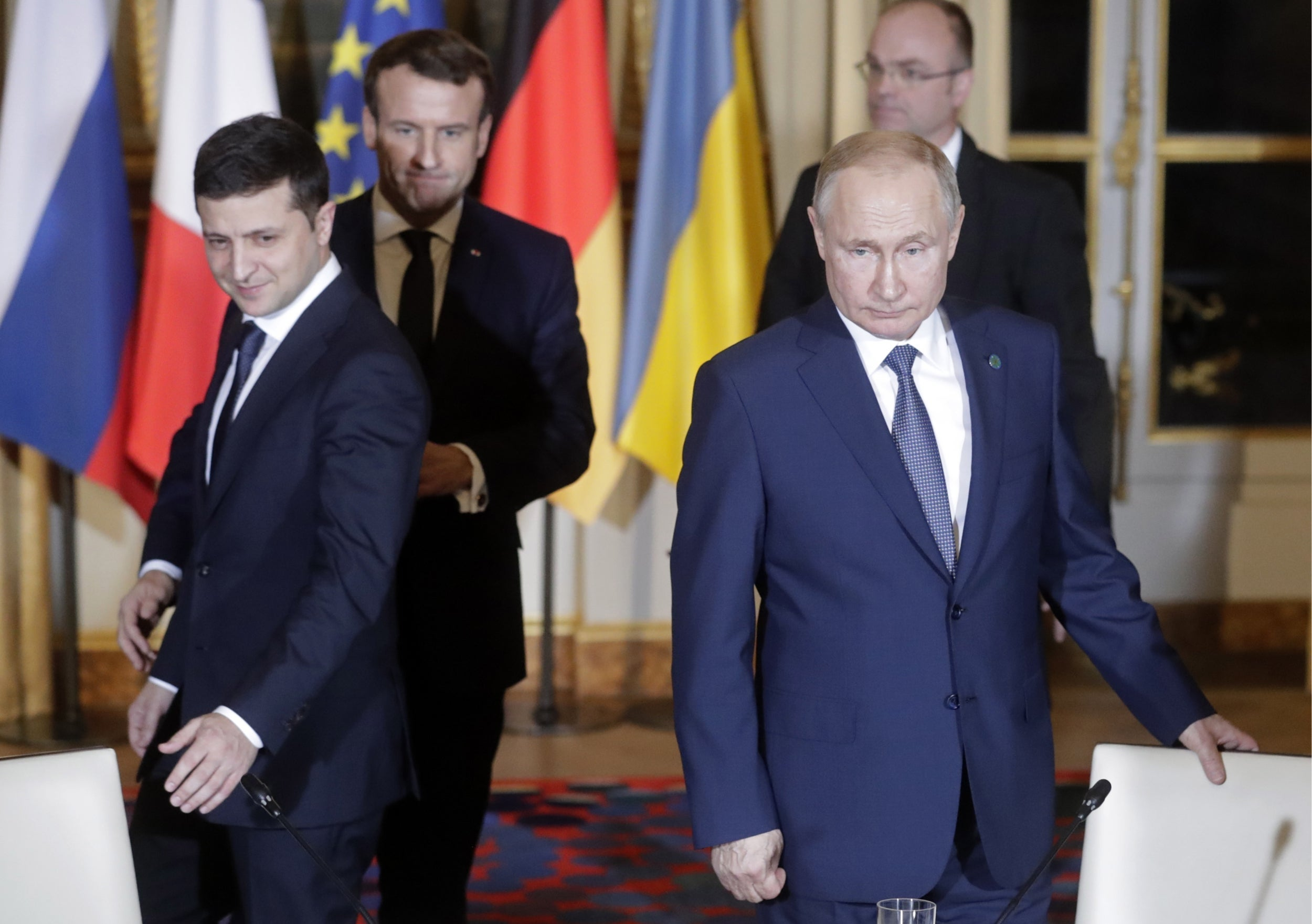 Politeness prevails as Putin and Zelensky hold inaugural meeting