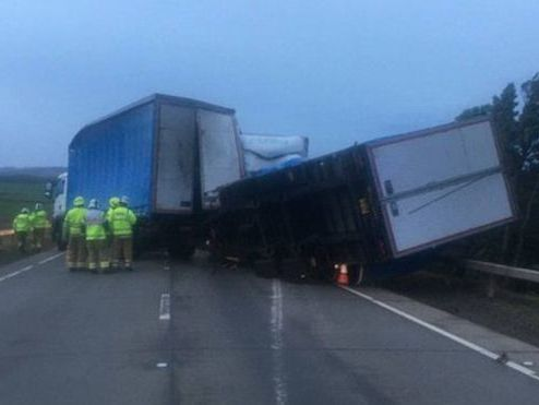 UK weather: Lorries topple and Christmas markets shut as gale-force winds sweep across country