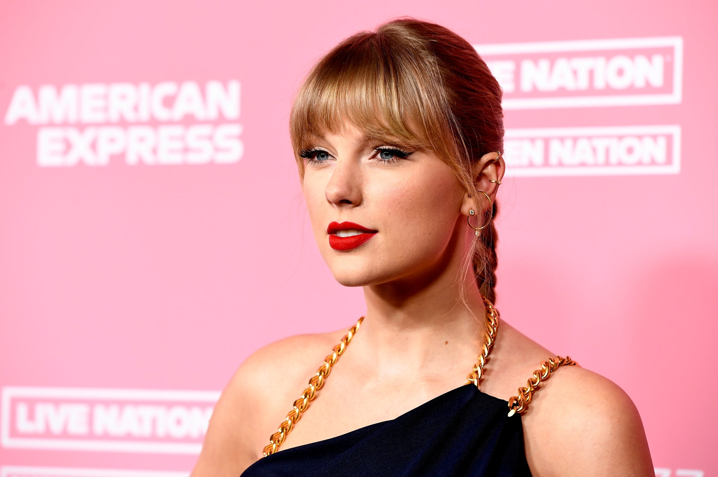 Taylor Swift makes withering speech about Scooter Braun while accepting Billboard's Woman of the Decade