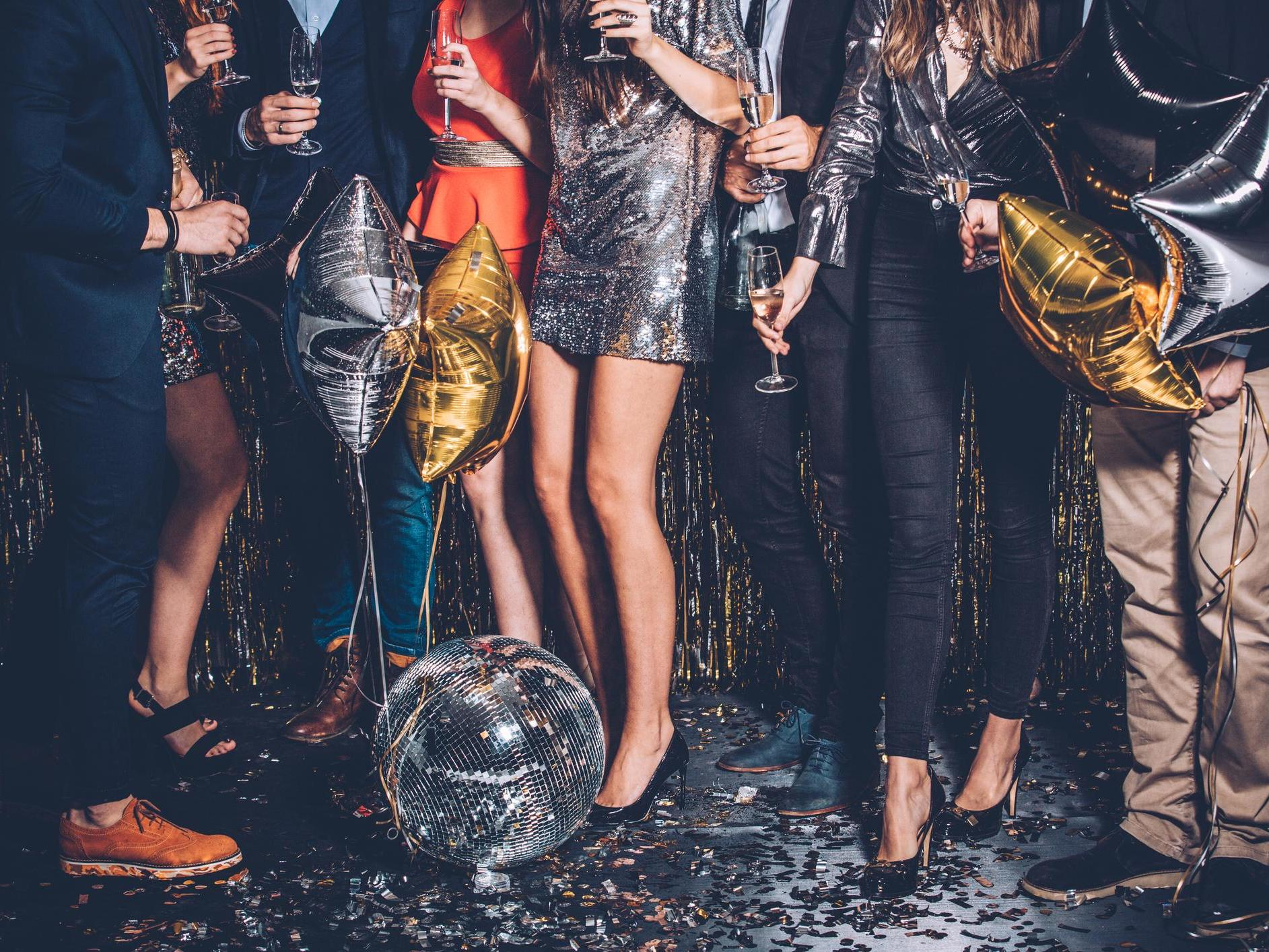 Britons to spend £2.4bn on Christmas party outfits they will wear fe…