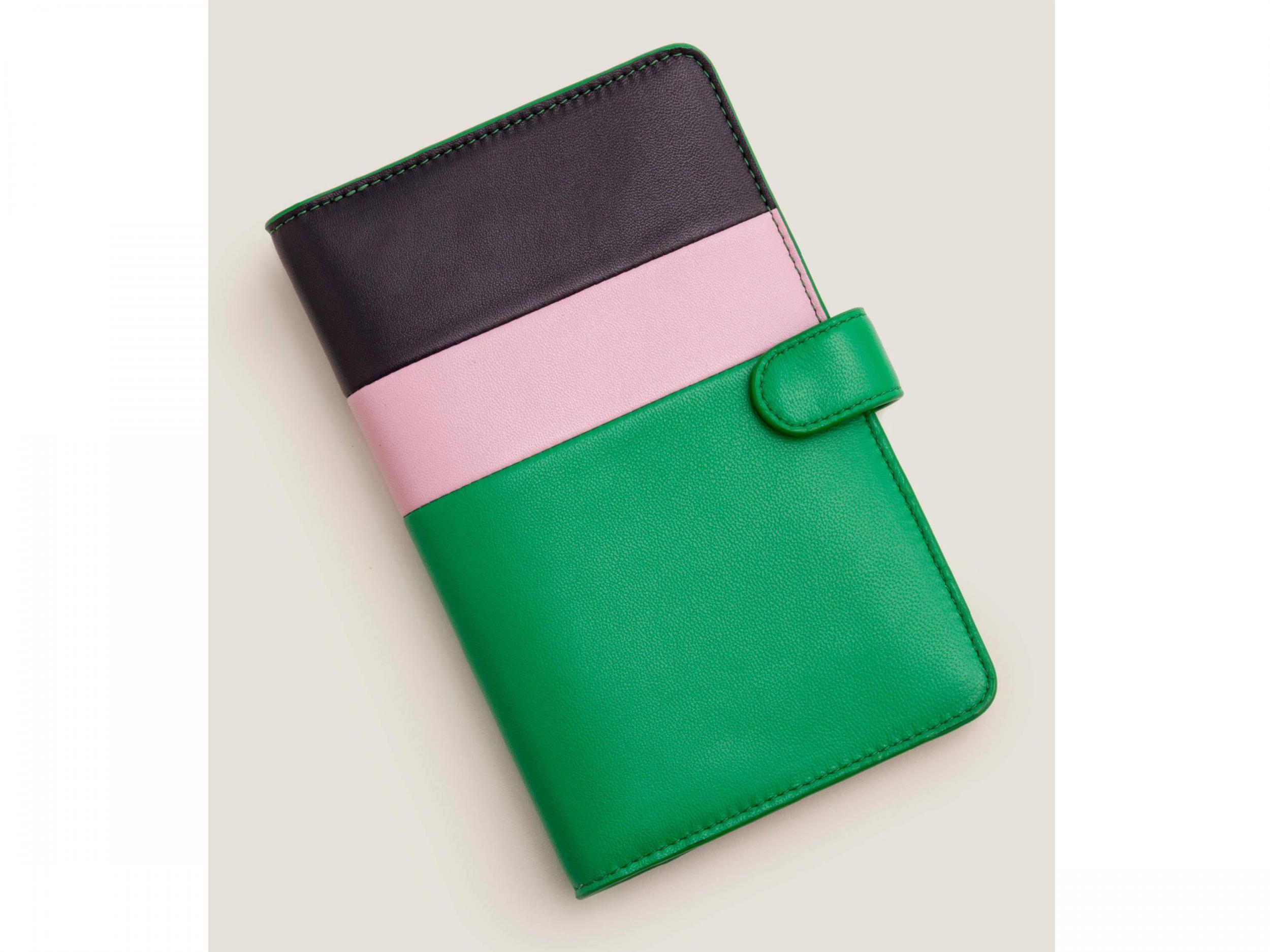 Leading Christmas Walking Around Leather Passport Wallet for Passport Holder for Safe Trip durable Easy to Carry