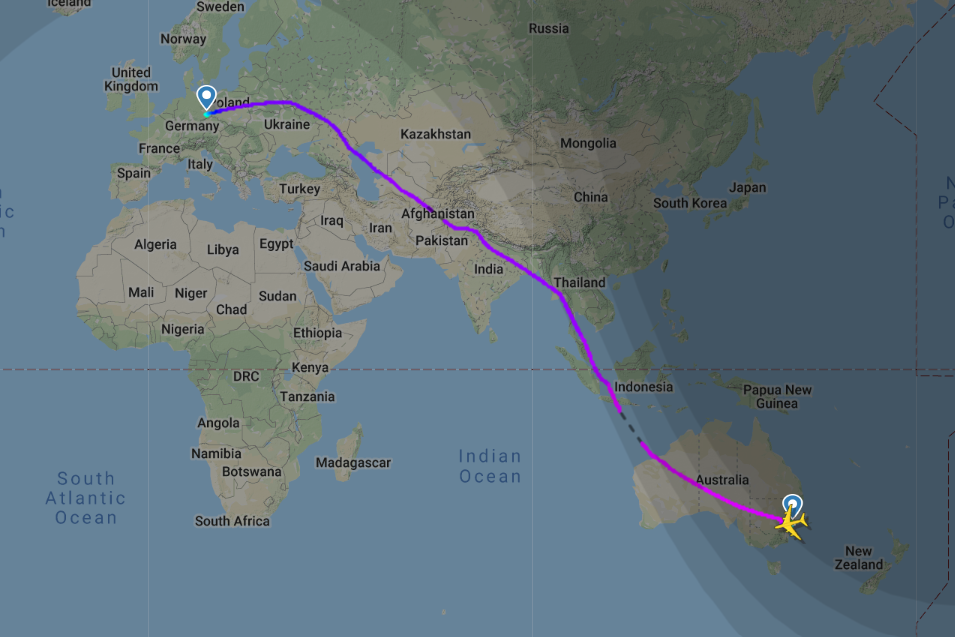 Superjumbo jet flies longest ever A380 route with no ...