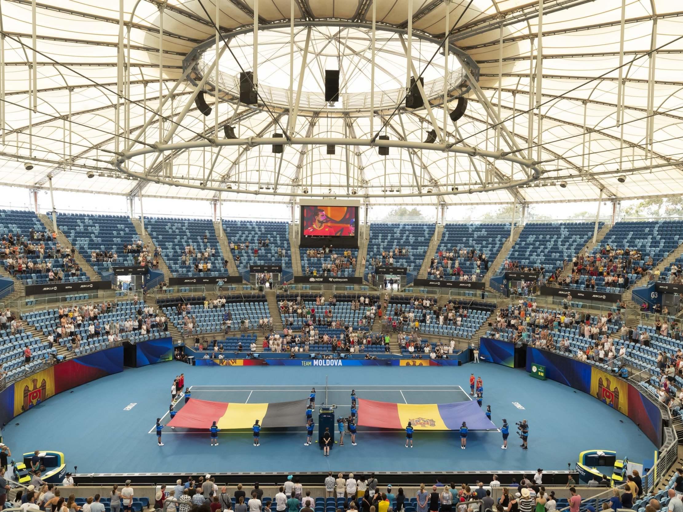 На открытии теннисного матча по ошибке включили гимн другой страны