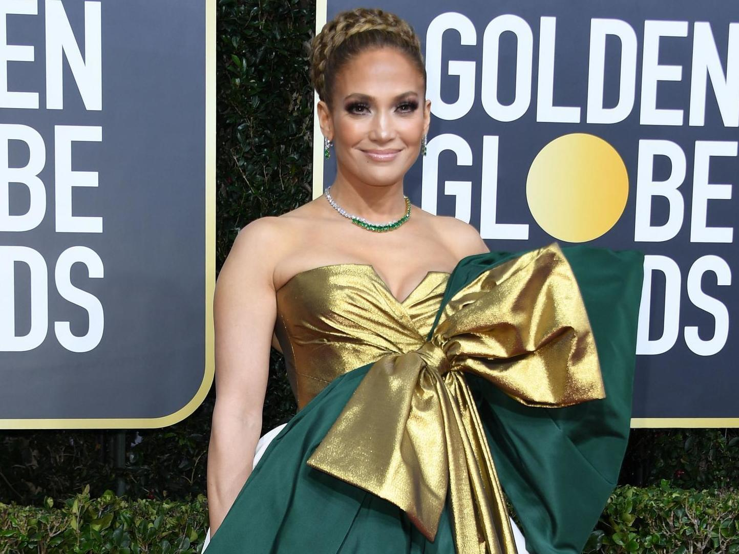 Golden Globes Jennifer Lopez S Valentino Dress Inspires Hilarious Memes On Twitter The Independent