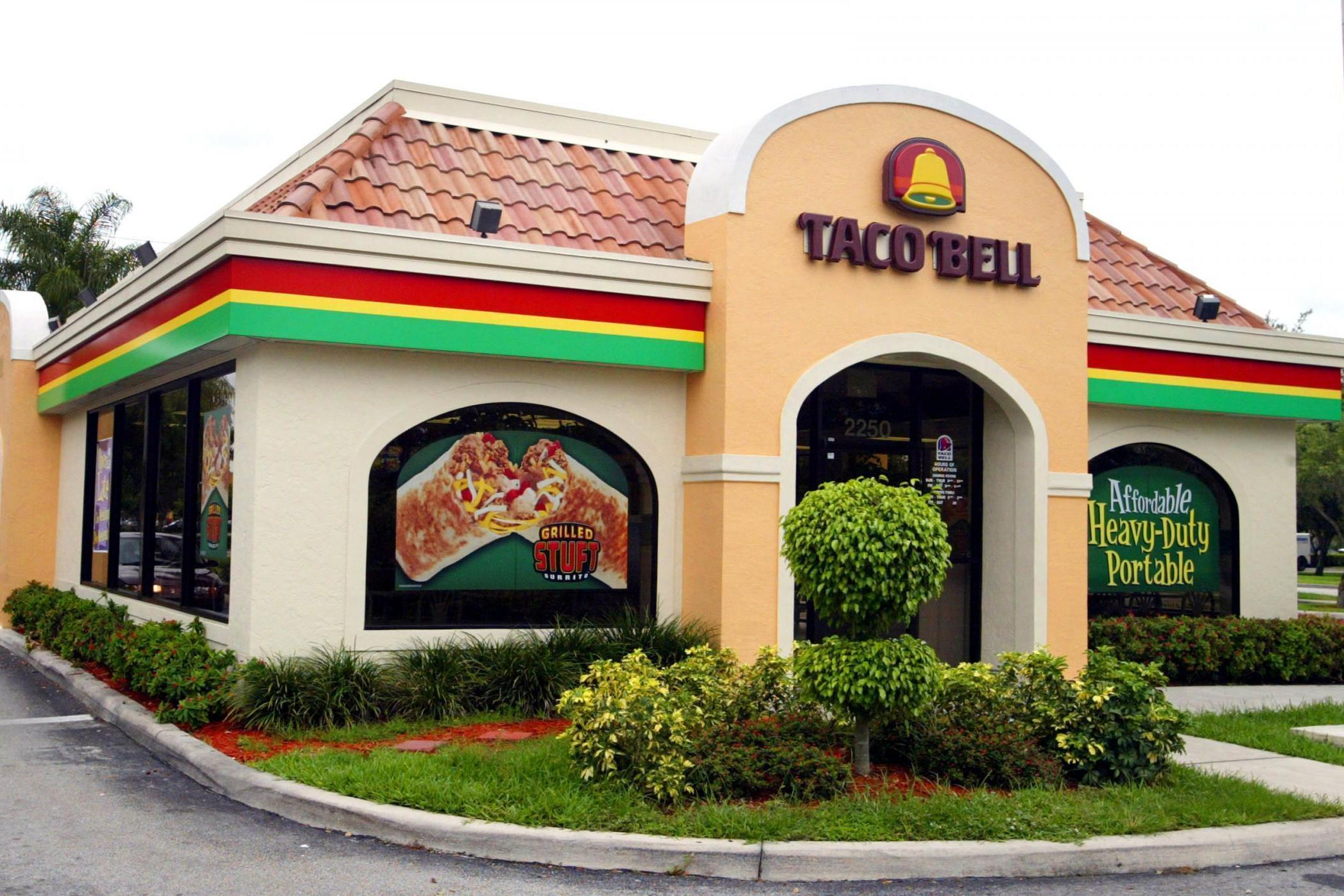 Taco Bell managers to earn $100,000 salary
