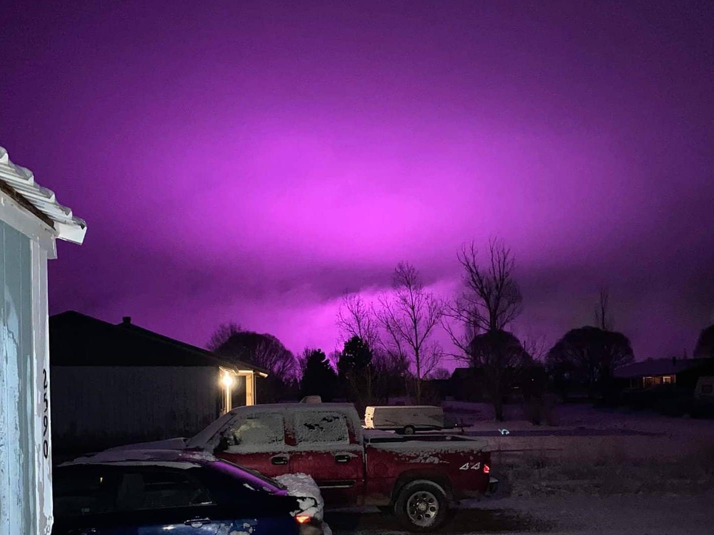 post-image-Sky glows purple in light of medical marijuana farm