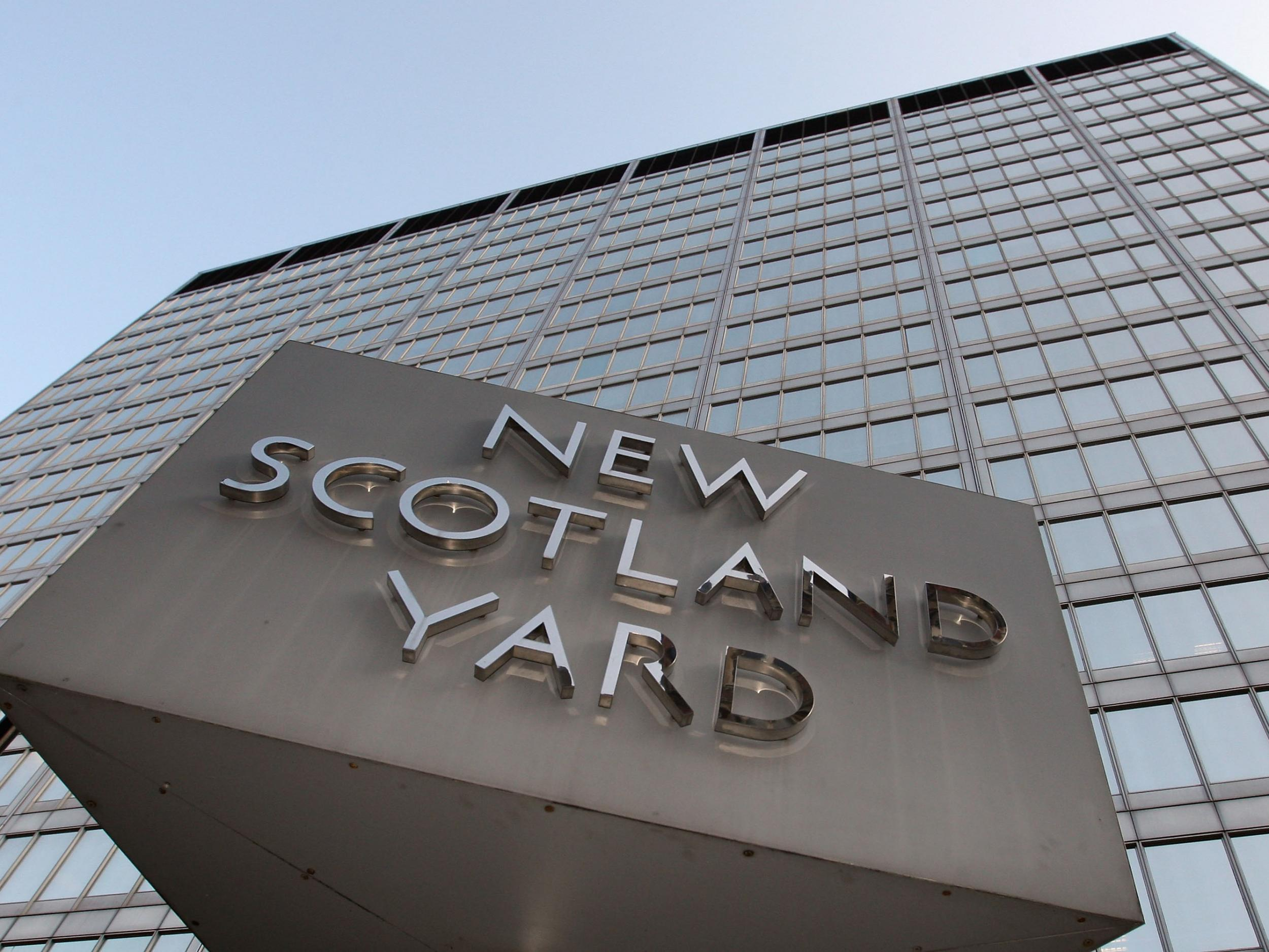 Met Police officer had sexual relationship with 17-year-old girl who…