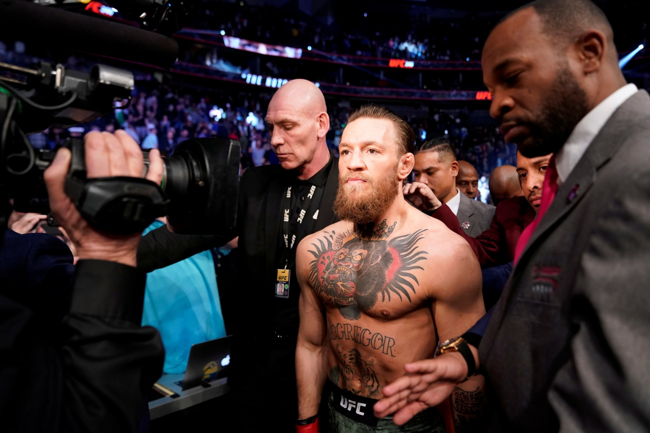 Floyd Mayweather teases Conor McGregor rematch after Irishman's UFC 246 win