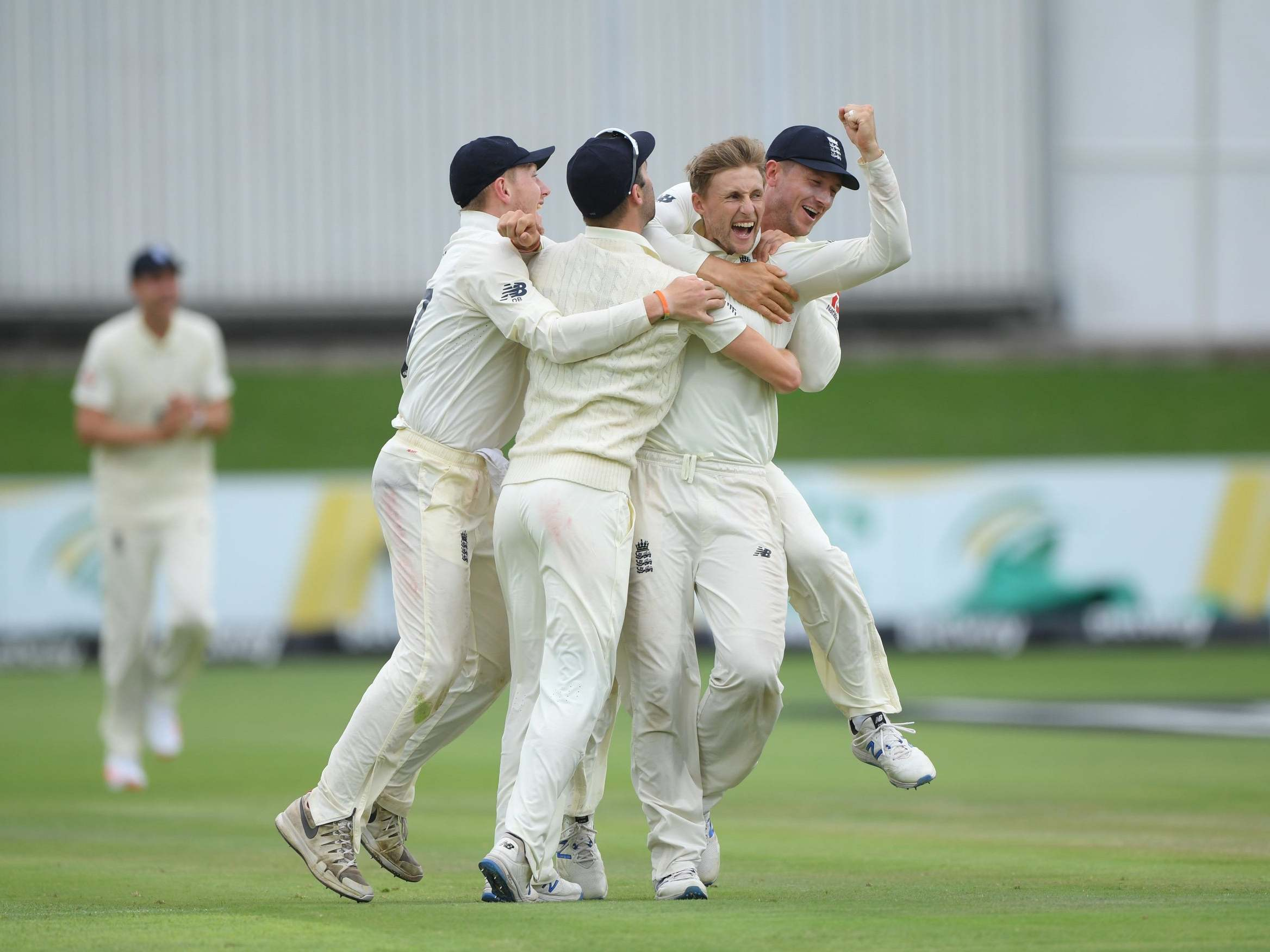 Joe Root wreaks havoc on South Africa as England close in on third Test victory