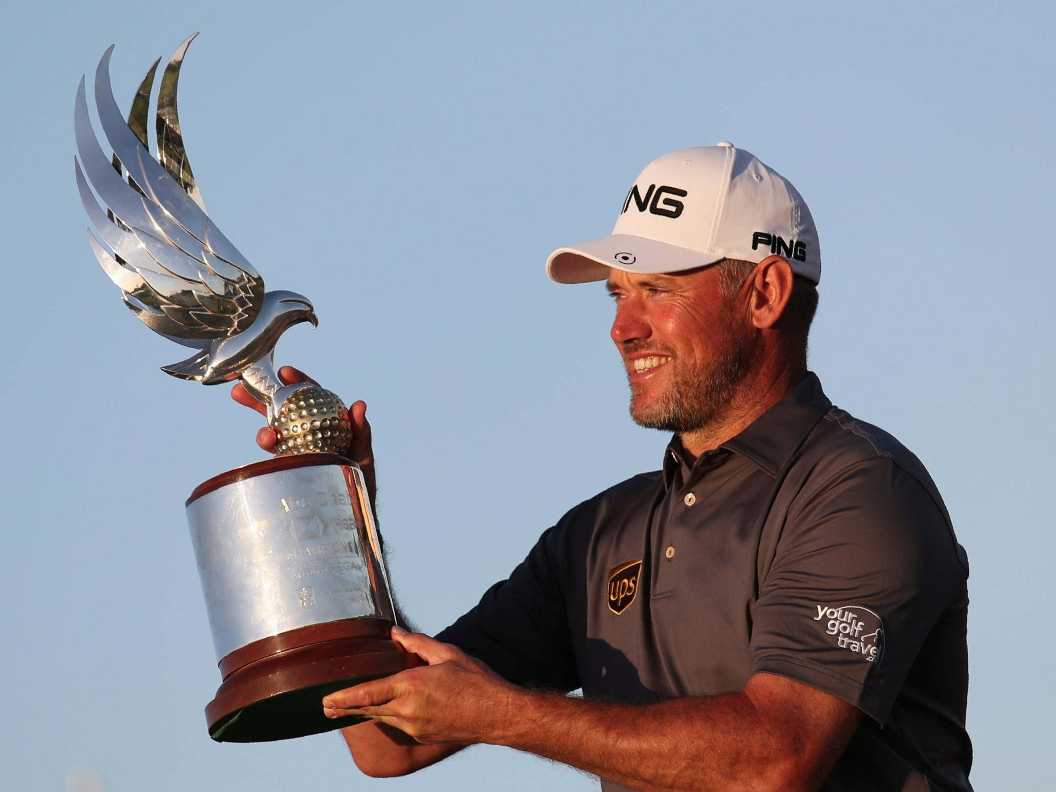 Lee Westwood winds back clock to win 25th European Tour title
