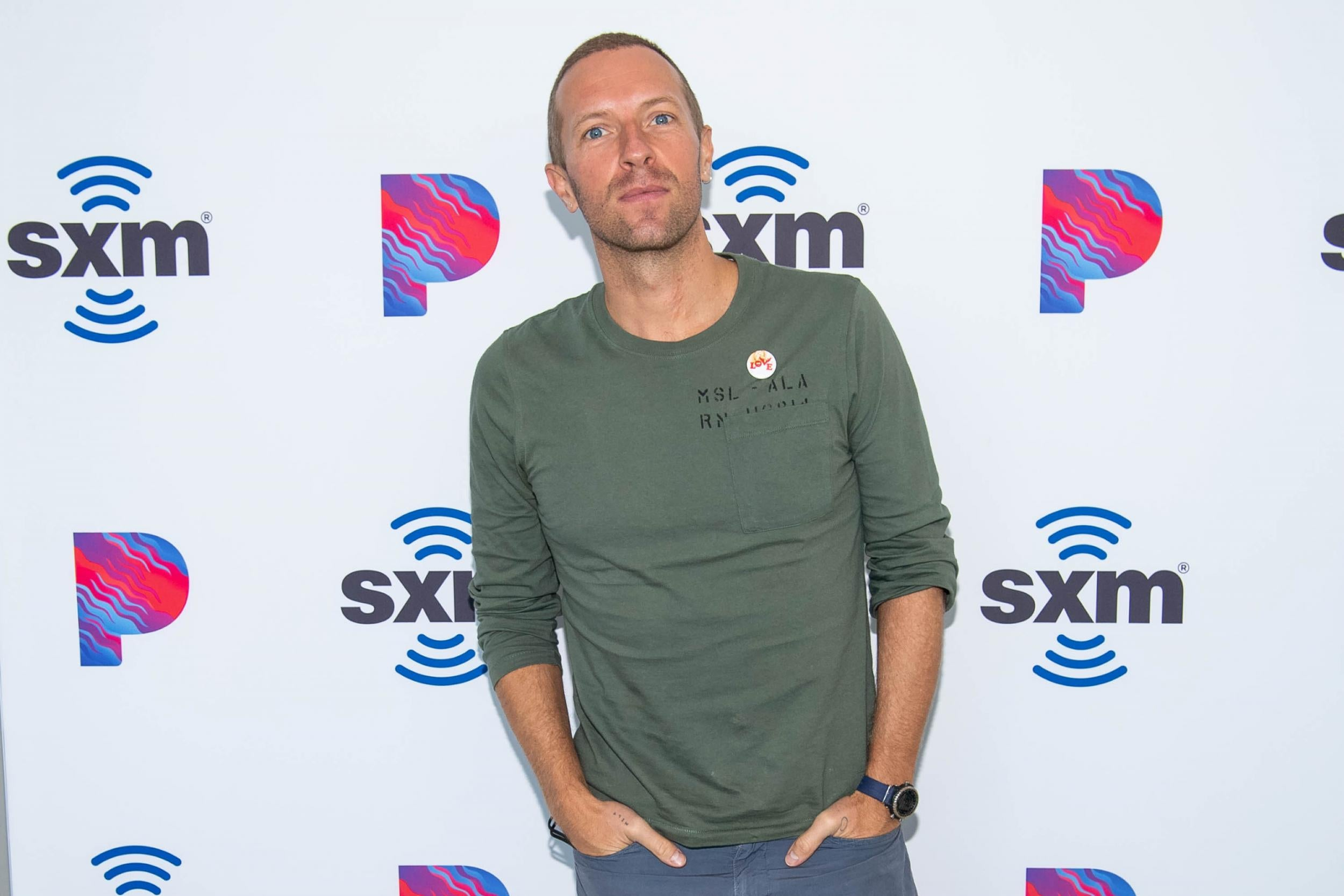 Chris Martin reprimands 'aggressive' fans asking for autographs: 'Don't f***ing shout at me'