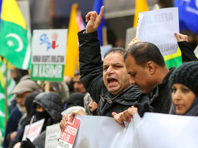 Hundreds of Kashmiris and Sikhs demonstrate on Indian Republic Day outside the High Commission of India in London