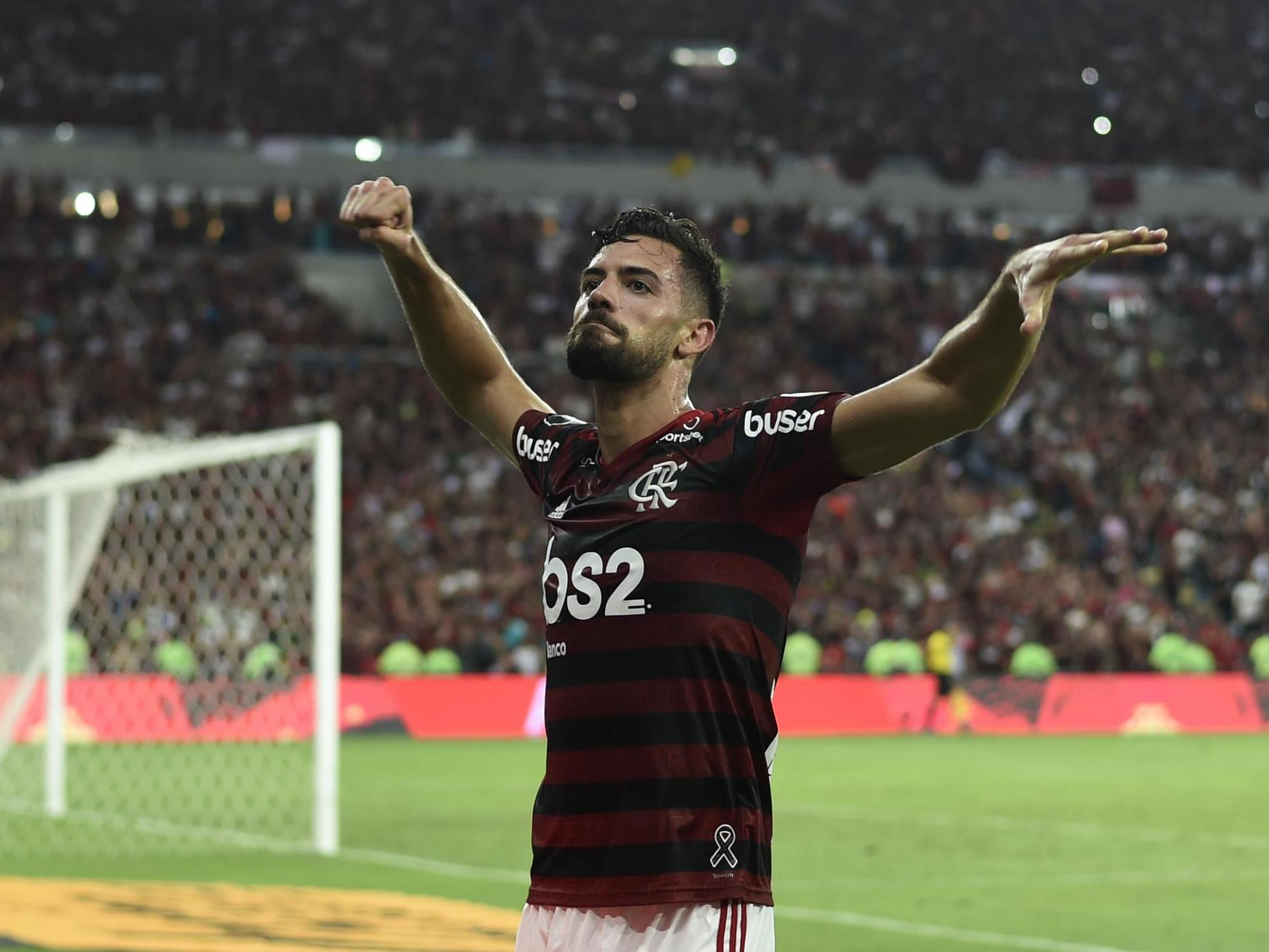 Pablo Mari: Arsenal complete signing of Flamengo centre-back on loan