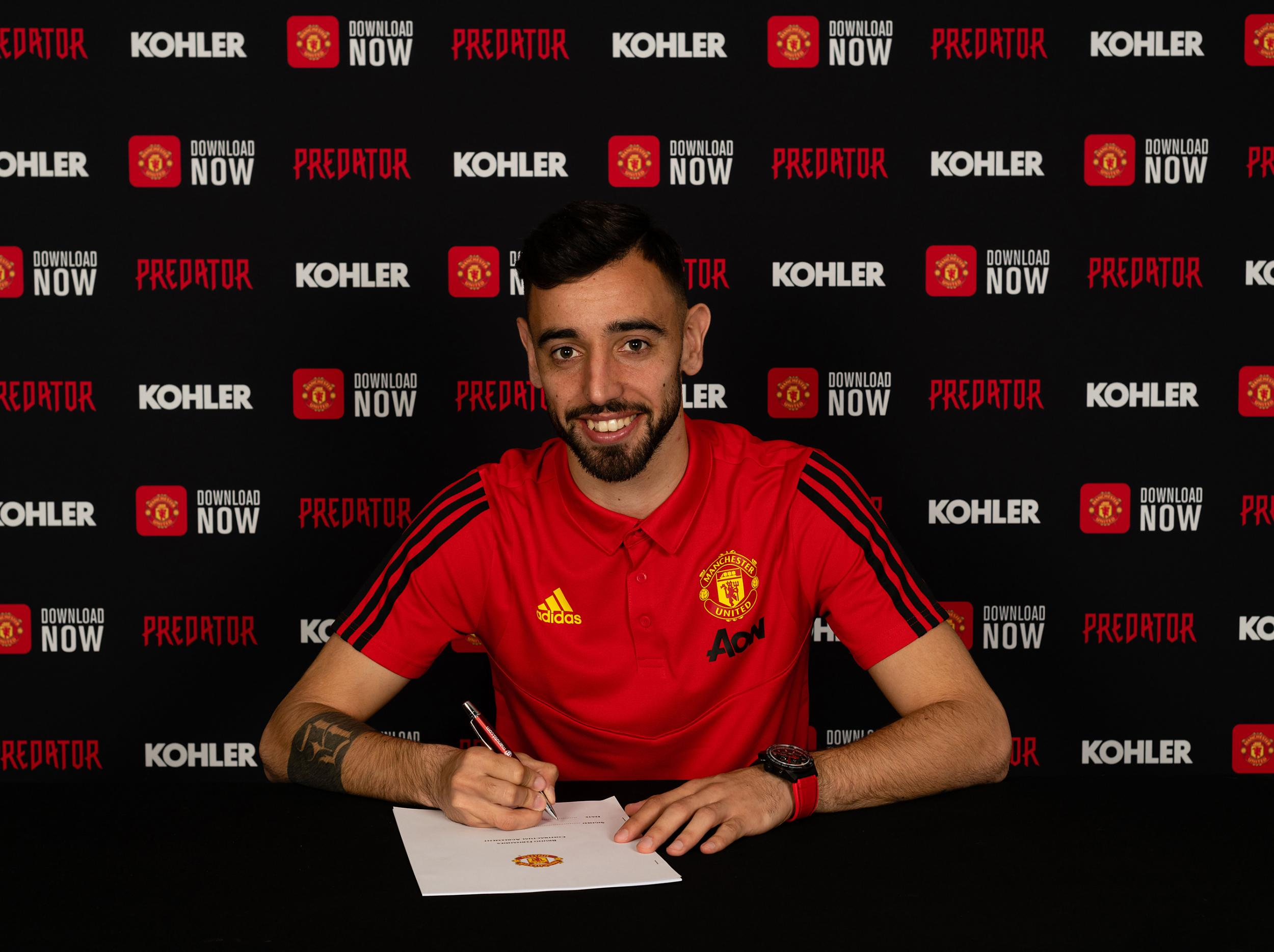 Manchester United transfer news: Bruno Fernandes shirt number revealed after completing move from Sporting