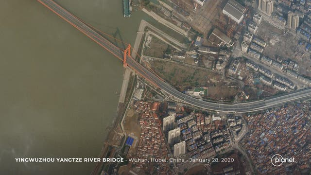 Yingwuzhou Yangtze River Bridge in Wuhan, China on 28 January 2020 after the city is put under lockdown due to the outbreak of the new coronavirus
