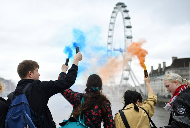 Pro EU supporters let off flares from Westminster Bridge