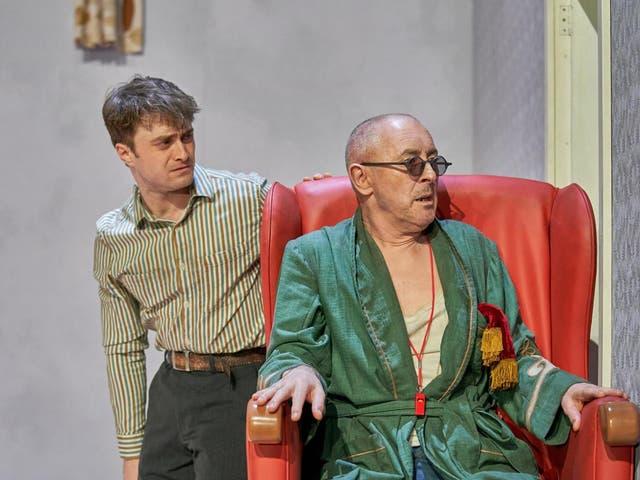Daniel Radcliffe as Clov and Alan Cumming as Hamm in Endgame