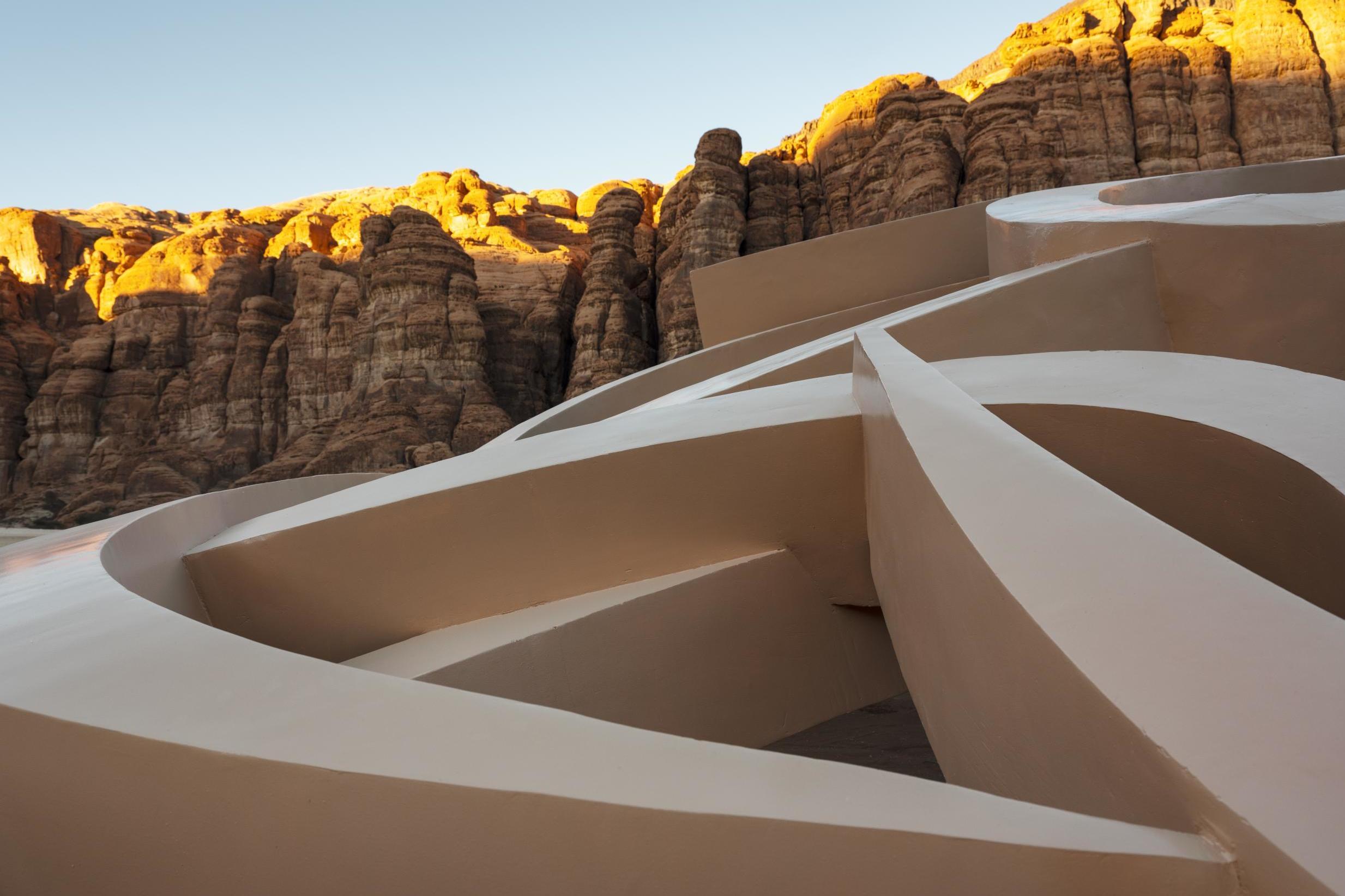Shifting sands: An art exhibition, a desert landscape, and an insigh…
