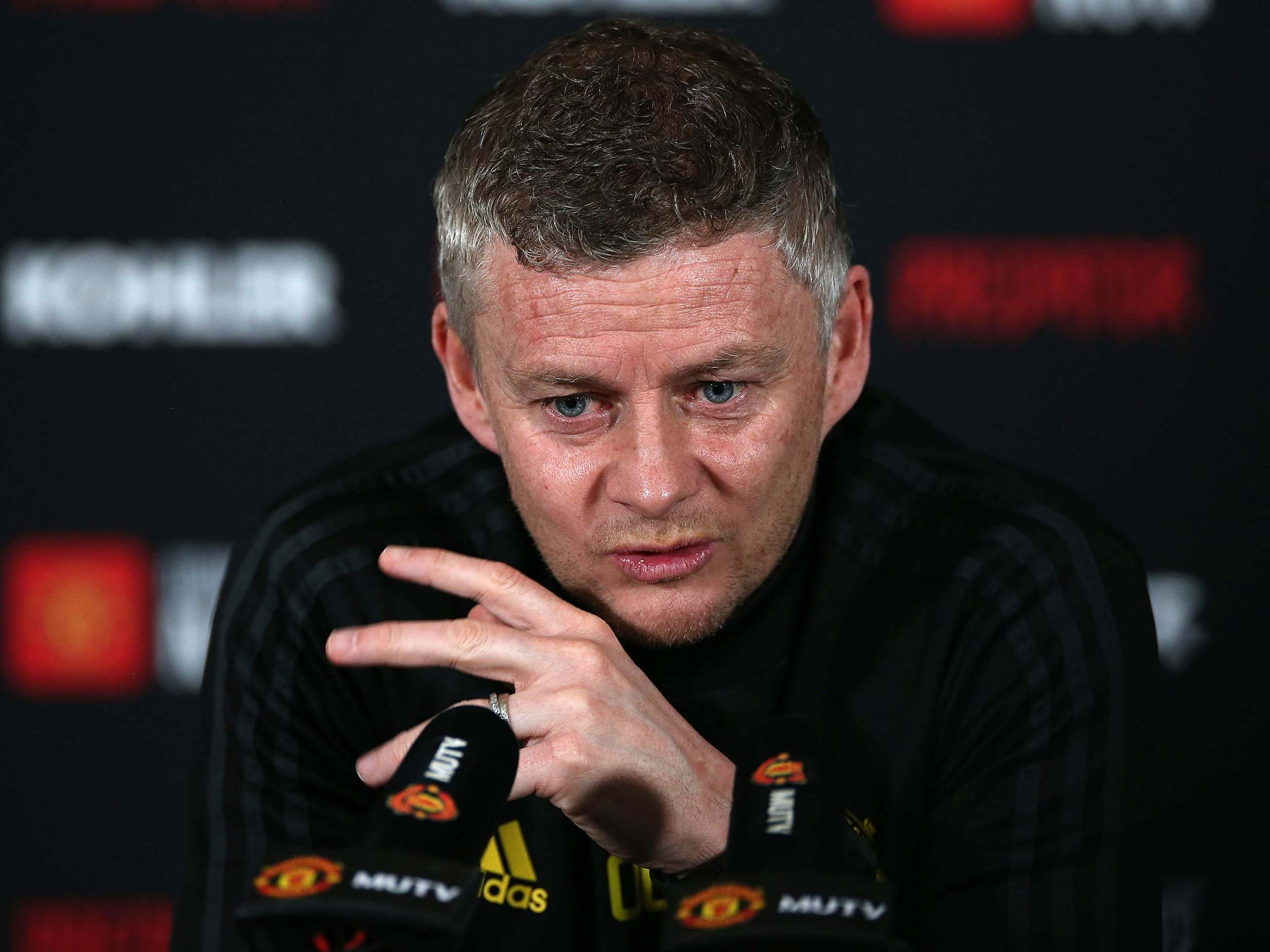 Solskjaer: Players must be role models and support NHS 'heroes'