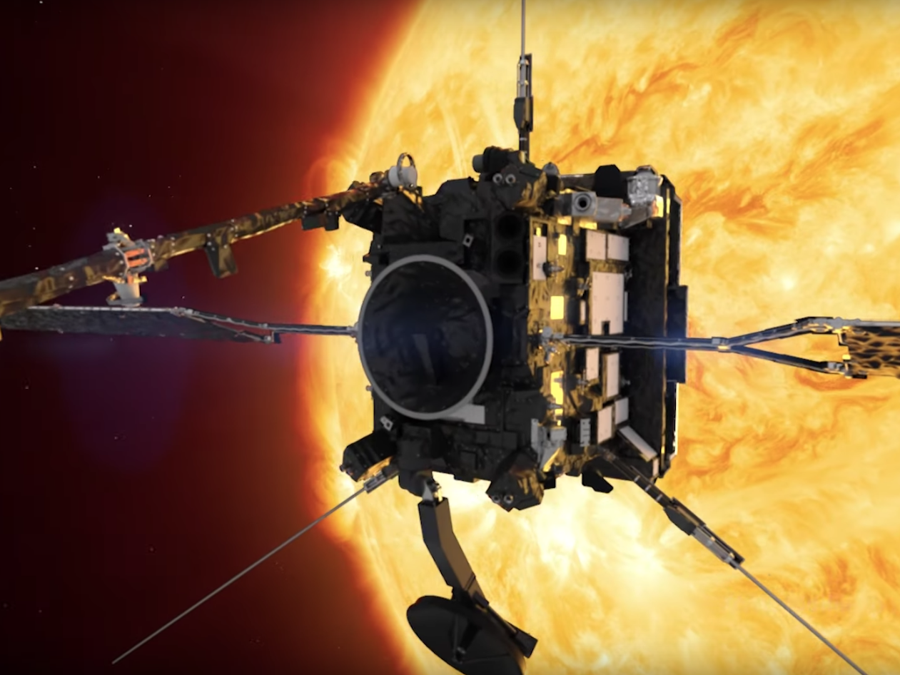 A spacecraft sent by Nasa to look at the Sun has sent back its first findings
