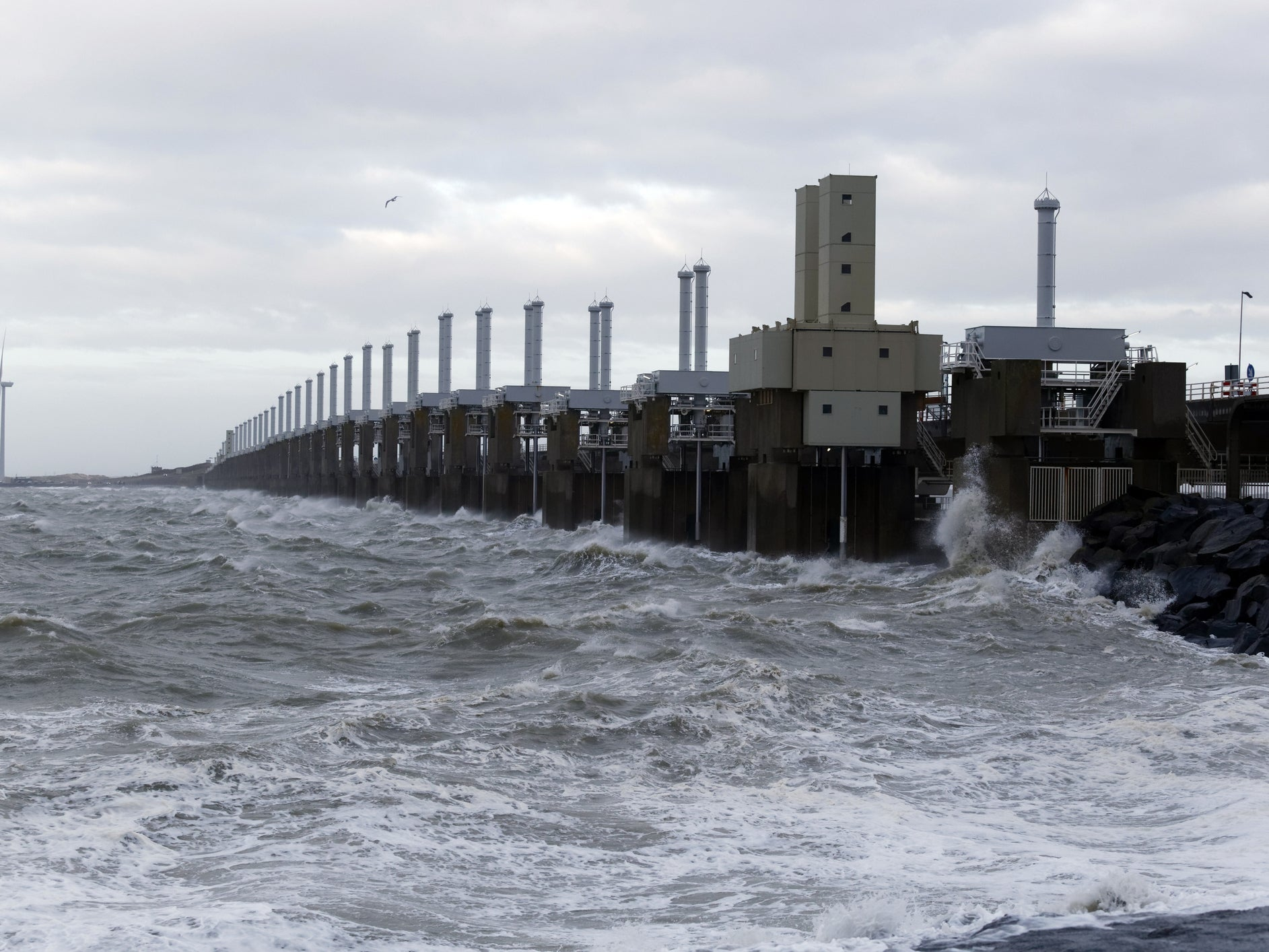 Plan to dam entire North Sea could protect millions from rising oceans