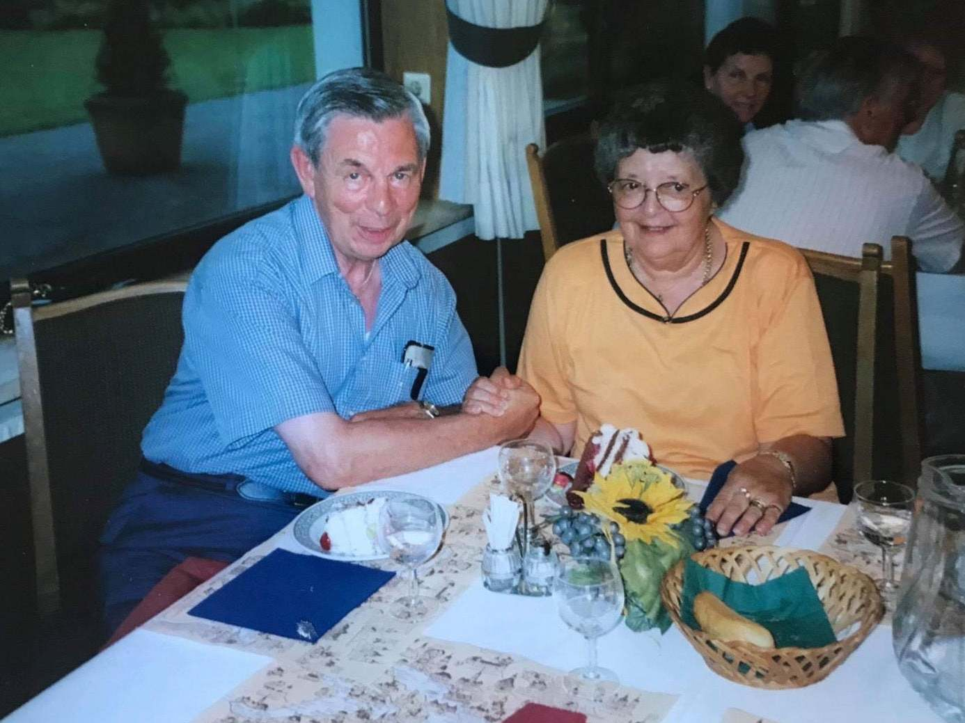 Care home resident recreates first date with wife nearly 68 years later for Valentine's Day