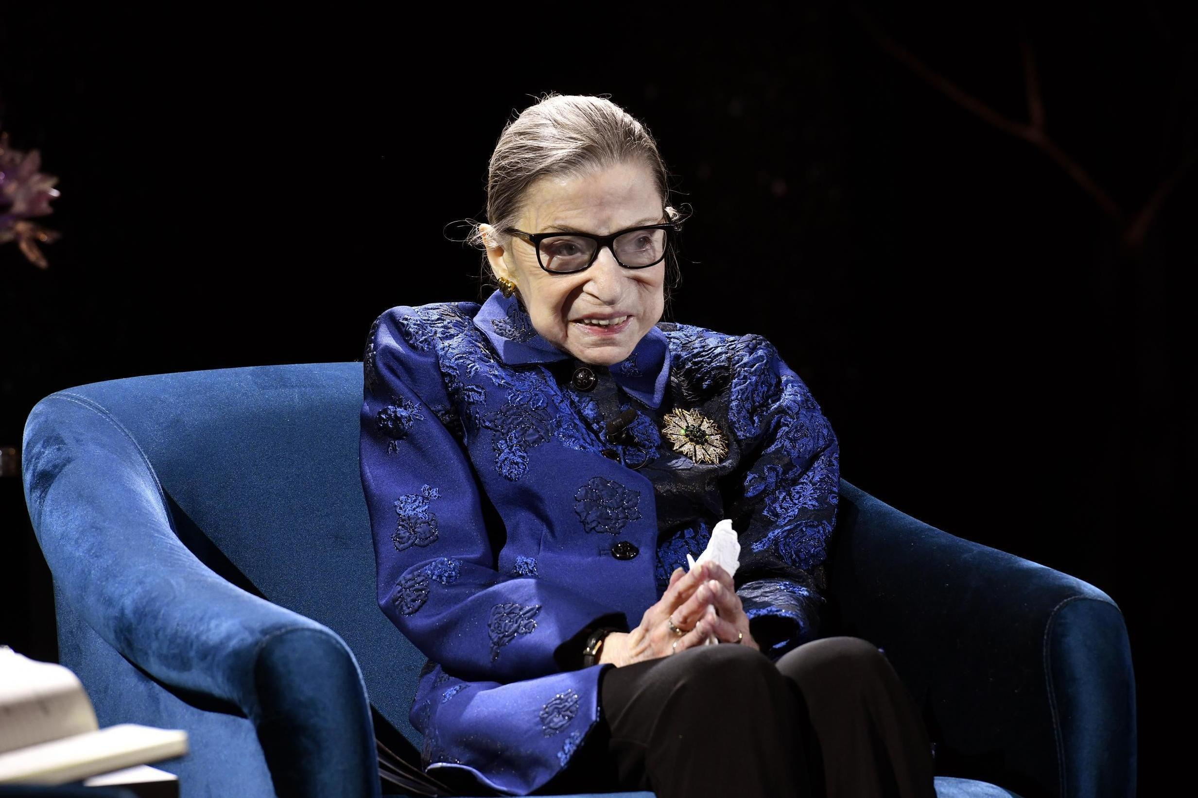 Ruth Bader Ginsburg praised for wearing sparkly high heels to presen…