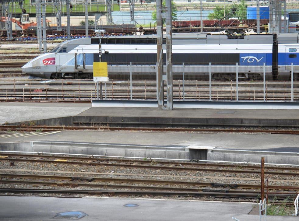 Gasiți un tren de la Paris până la Le Mans