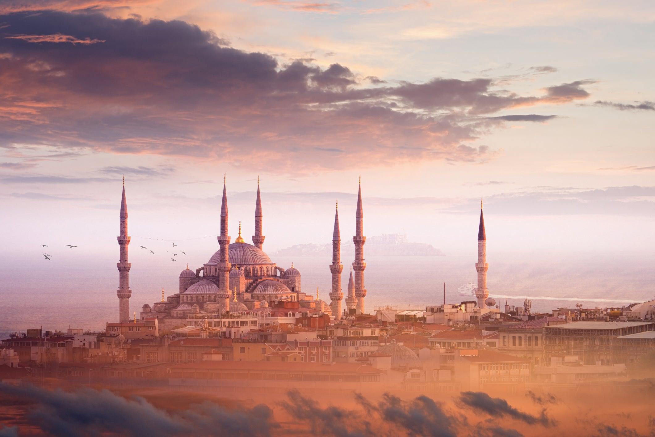 Turkey to scrap visas for UK tourists