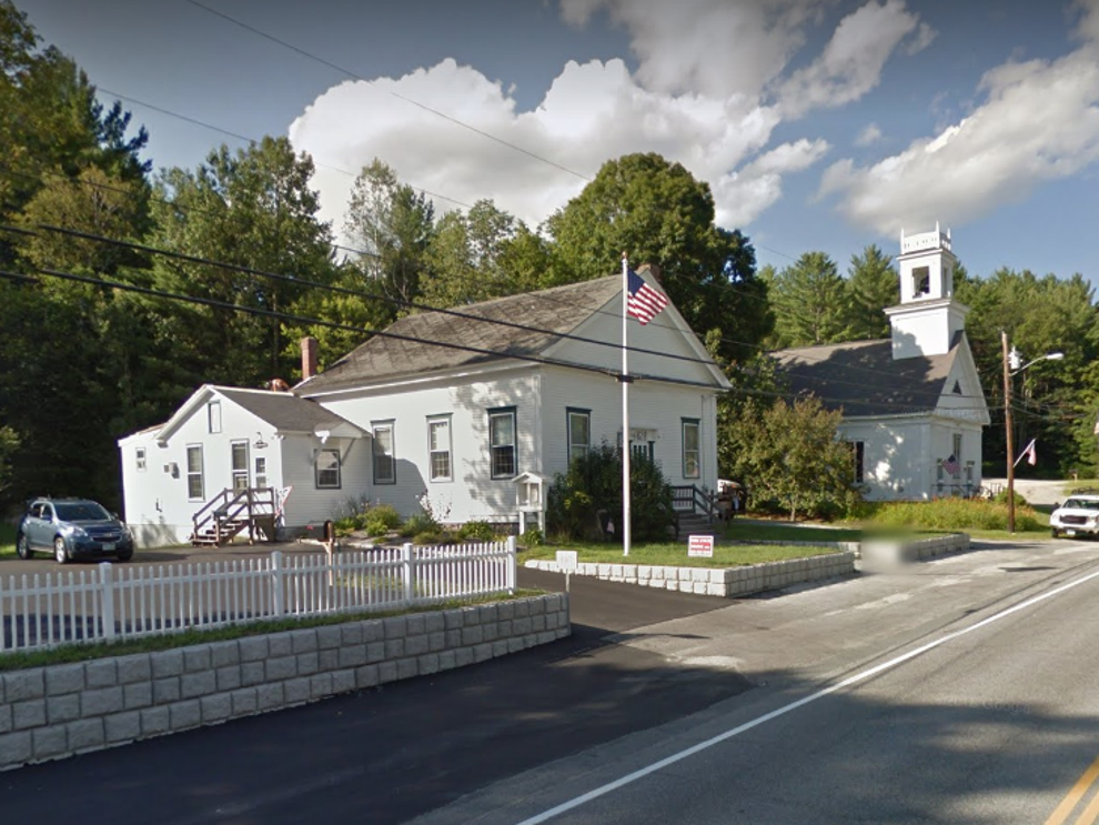 New Hampshire cop strips down and walks home in his