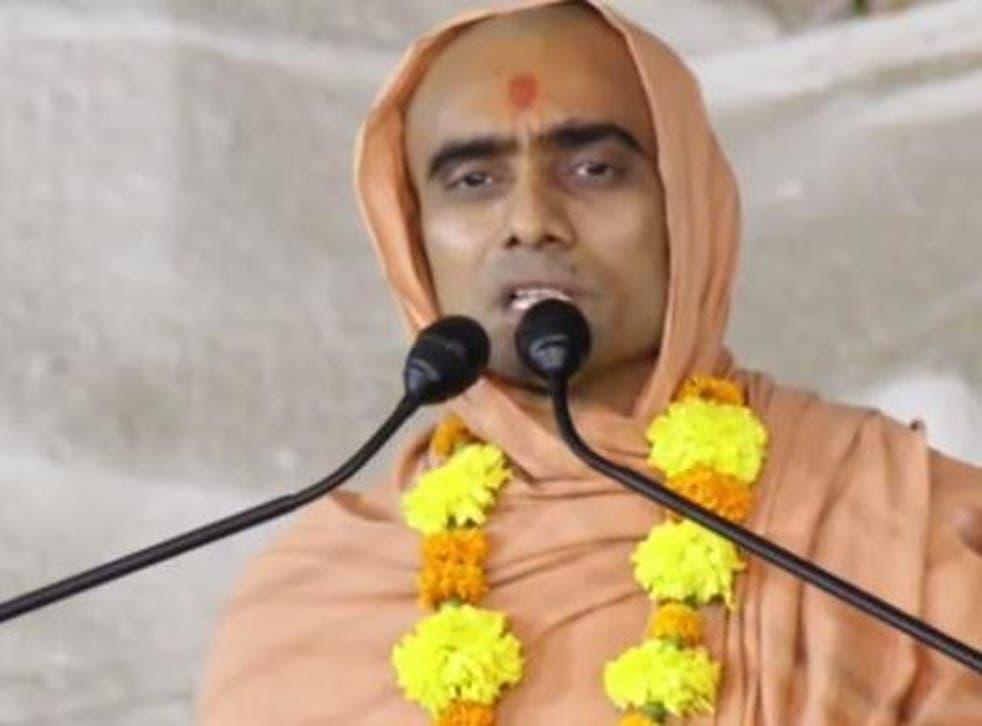 A screengrab of Krushnaswarup Dasji speaking on Youtube