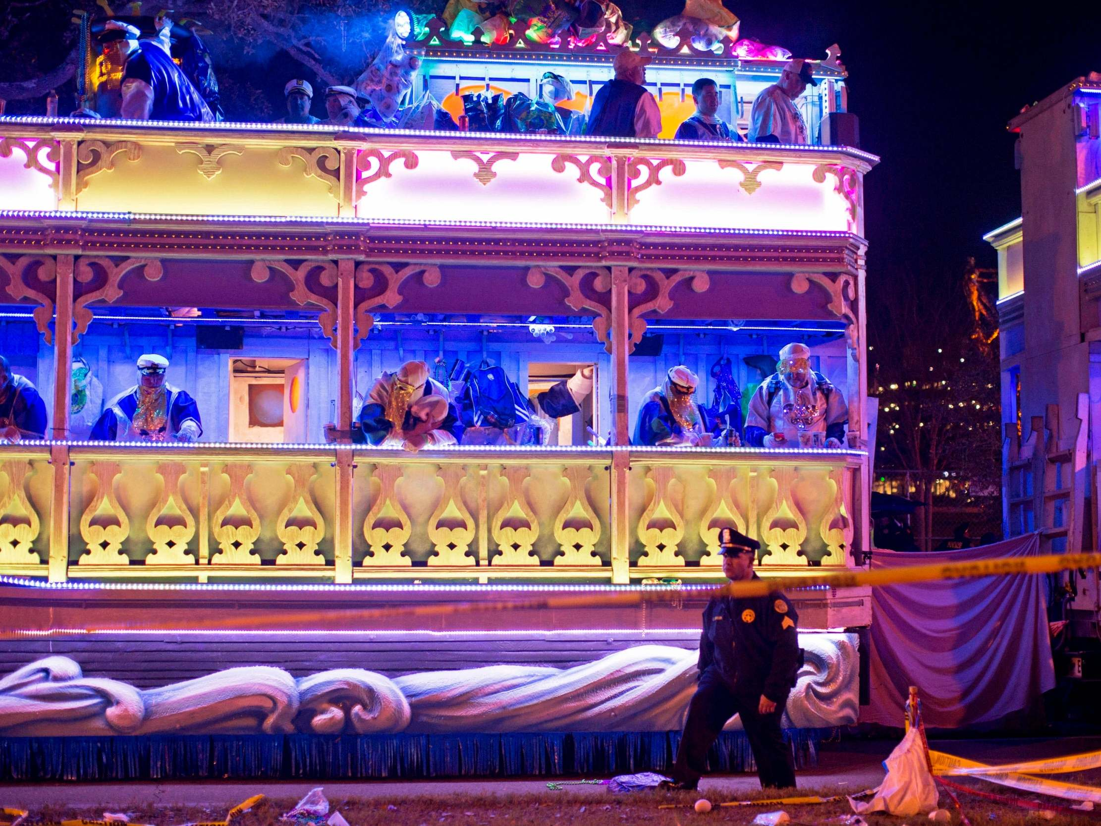 Two people killed by Mardi Gras parade floats in New Orleans - independent