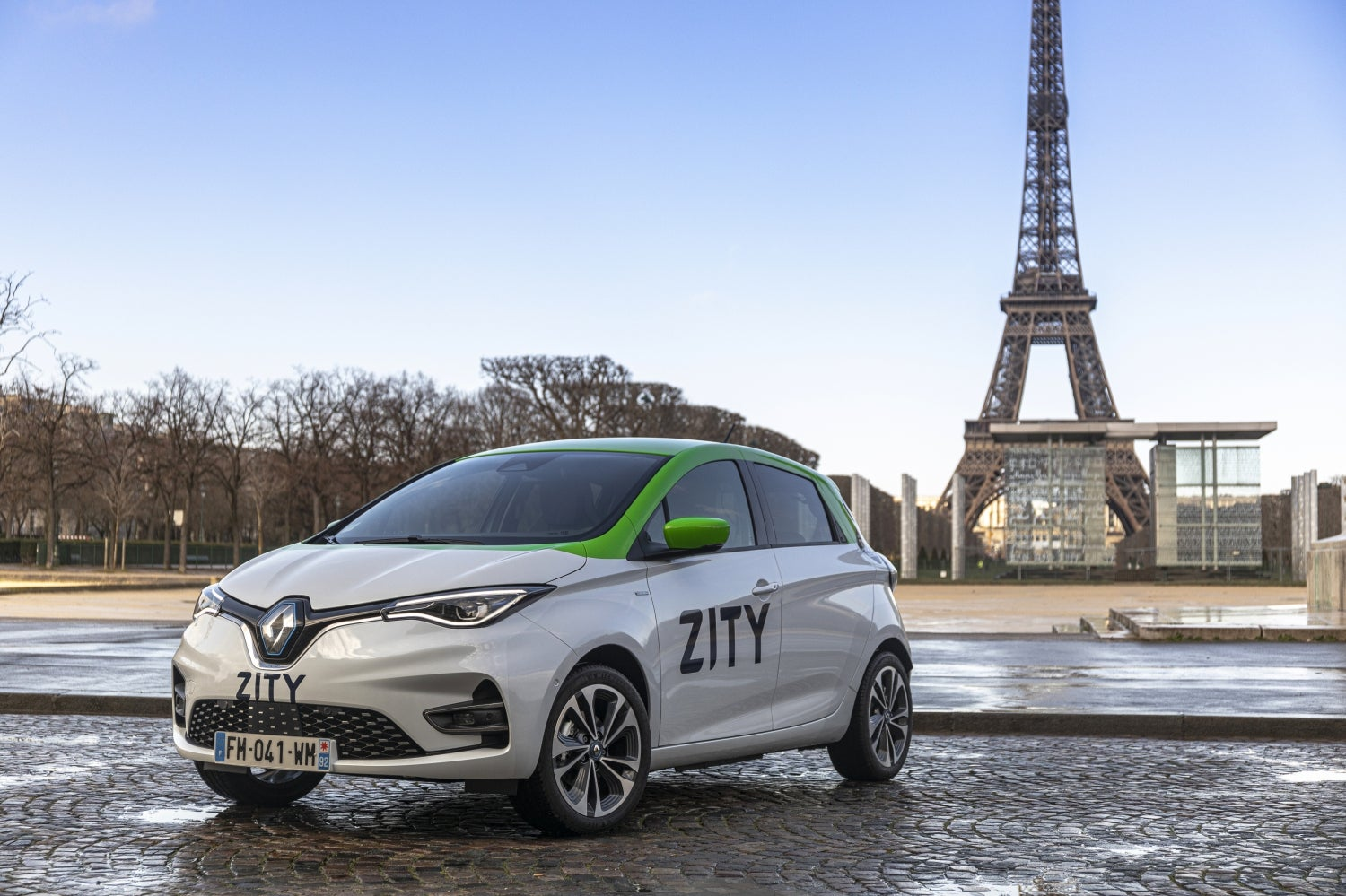 Chic And Co Paris paris car sharing goes electrique with added chic   the