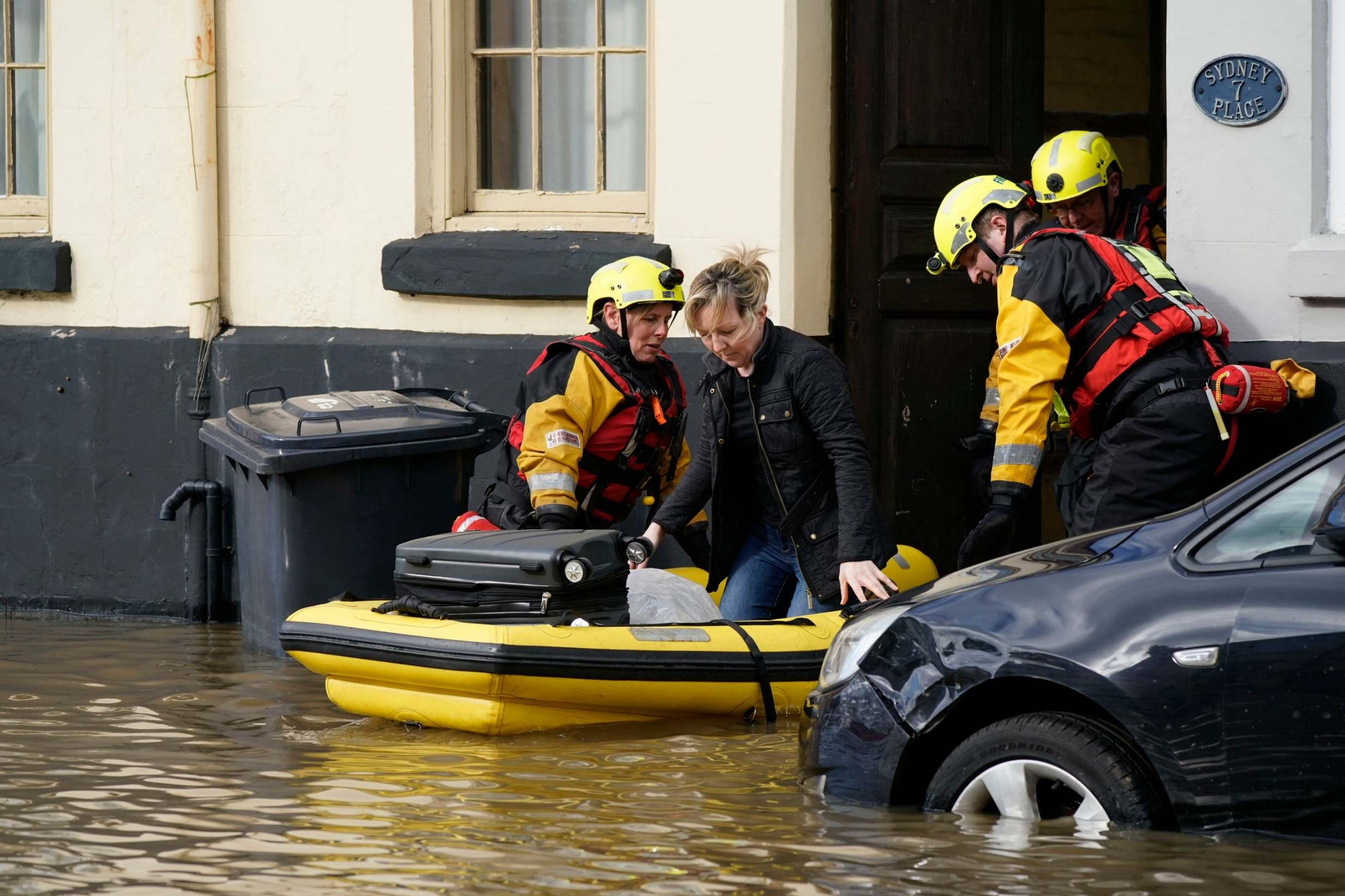 People ordered to 'leave homes immediately' after flood defences overwhelmed