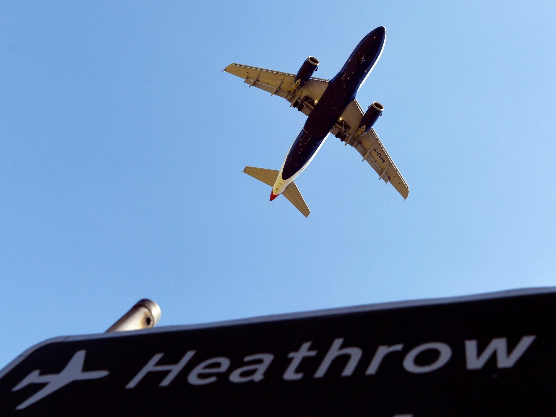 Coronavirus: UK airports 'will shut down within weeks' without ...