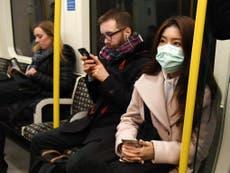 Coronavirus: Experts cast doubt on UK plan for 'herd immunity'