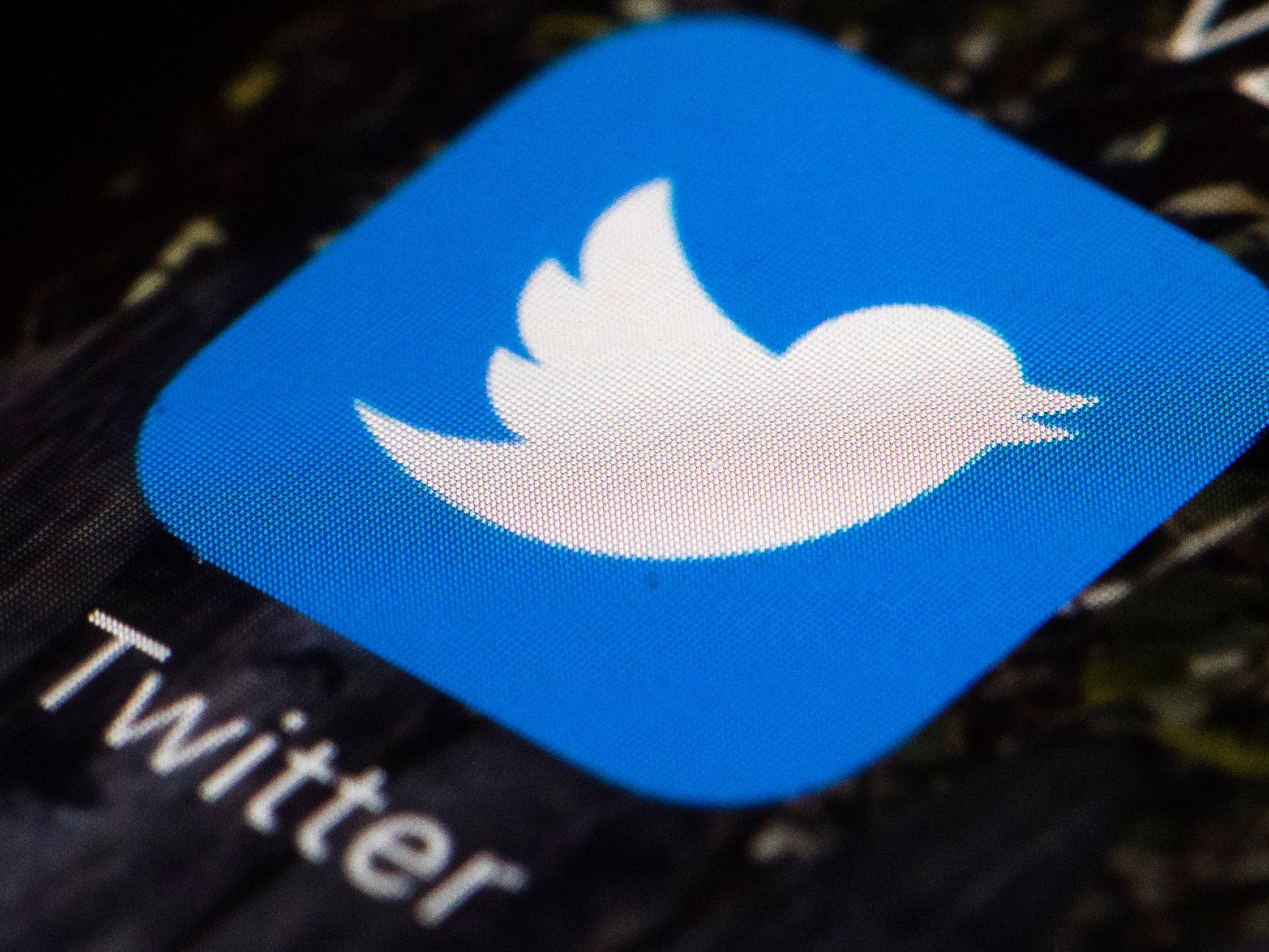 Twitter launches coronavirus fact-checks for people who search for 5G conspiracy theories