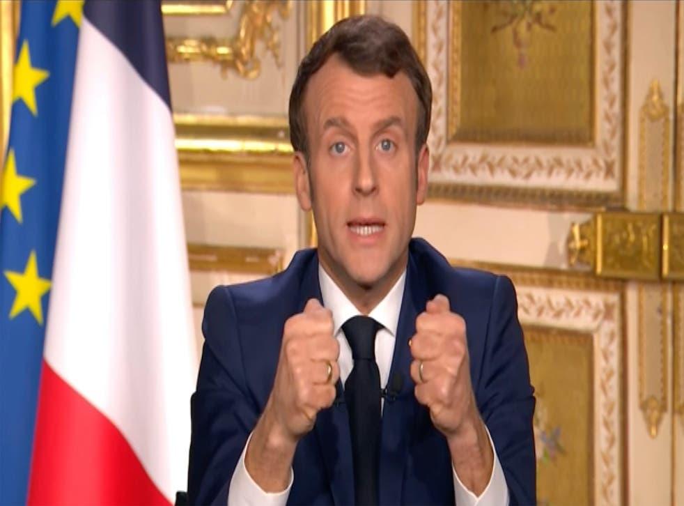 El presidente francés en una retransmisión televisiva ayer