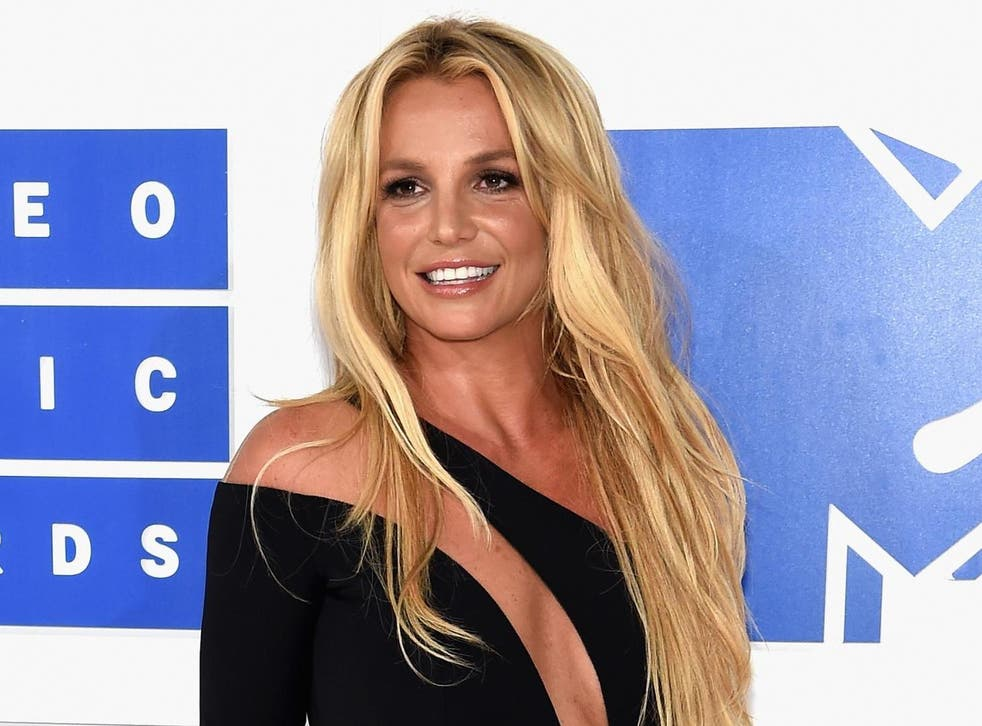 Britney Spears Singer S Father Jamie Remains In Control Of Conservatorship Until 2021 Against Her Wishes The Independent The Independent