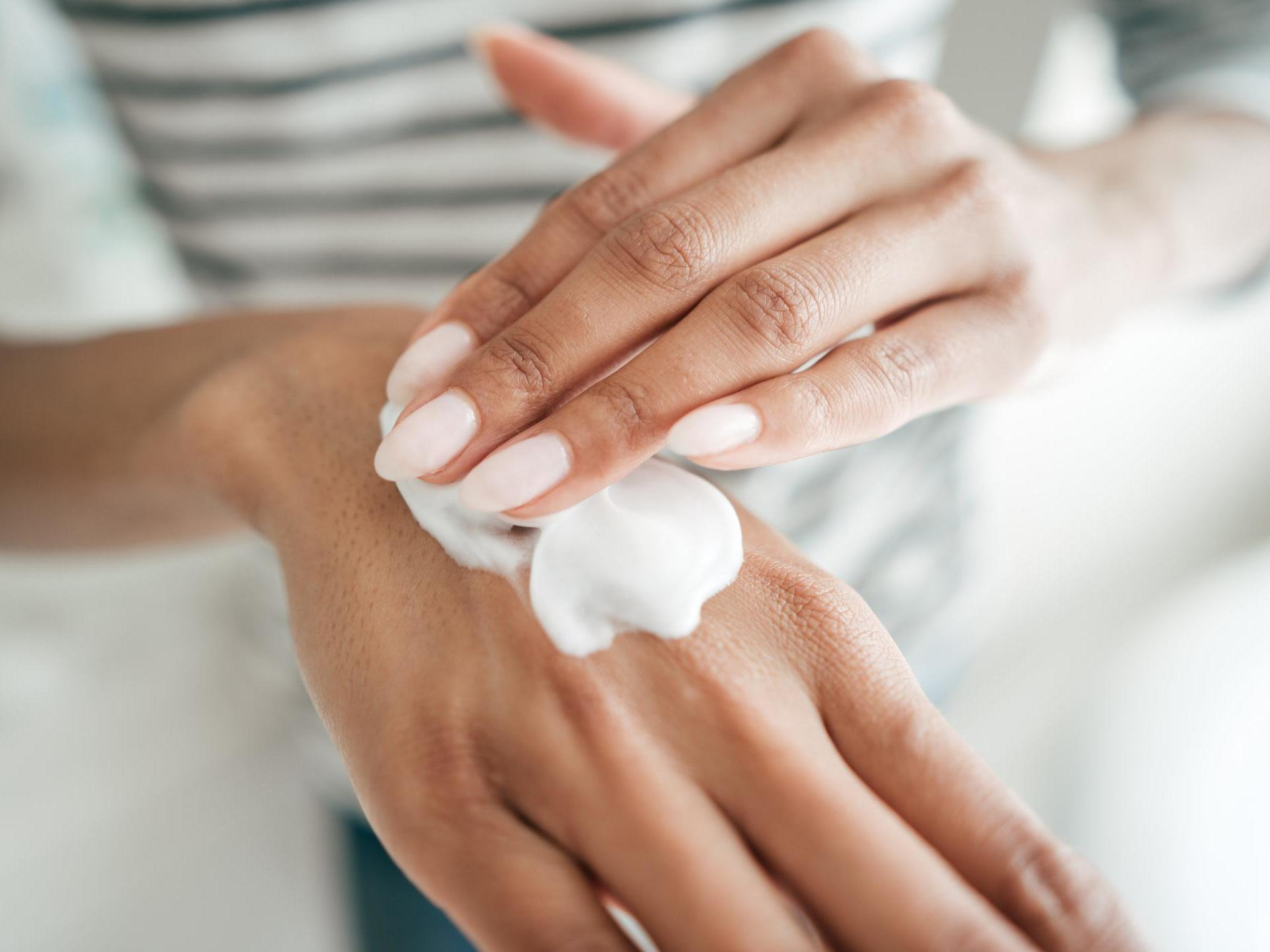 Moisturizing Hand Creams That Will Save Your Dry Skin | Song