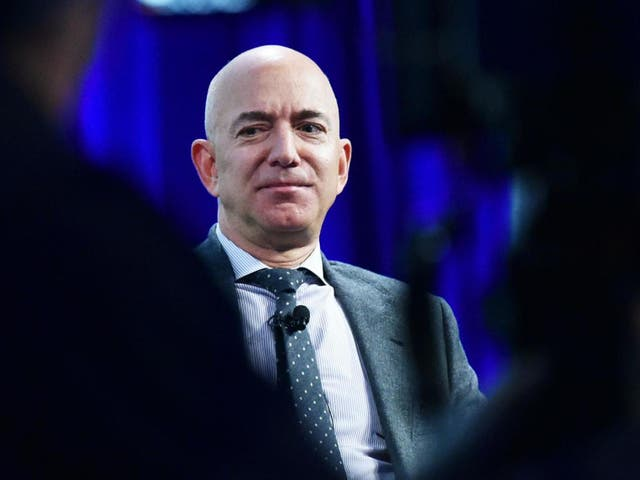 TikTok videos show how rich Jeff Bezos is by using just rice