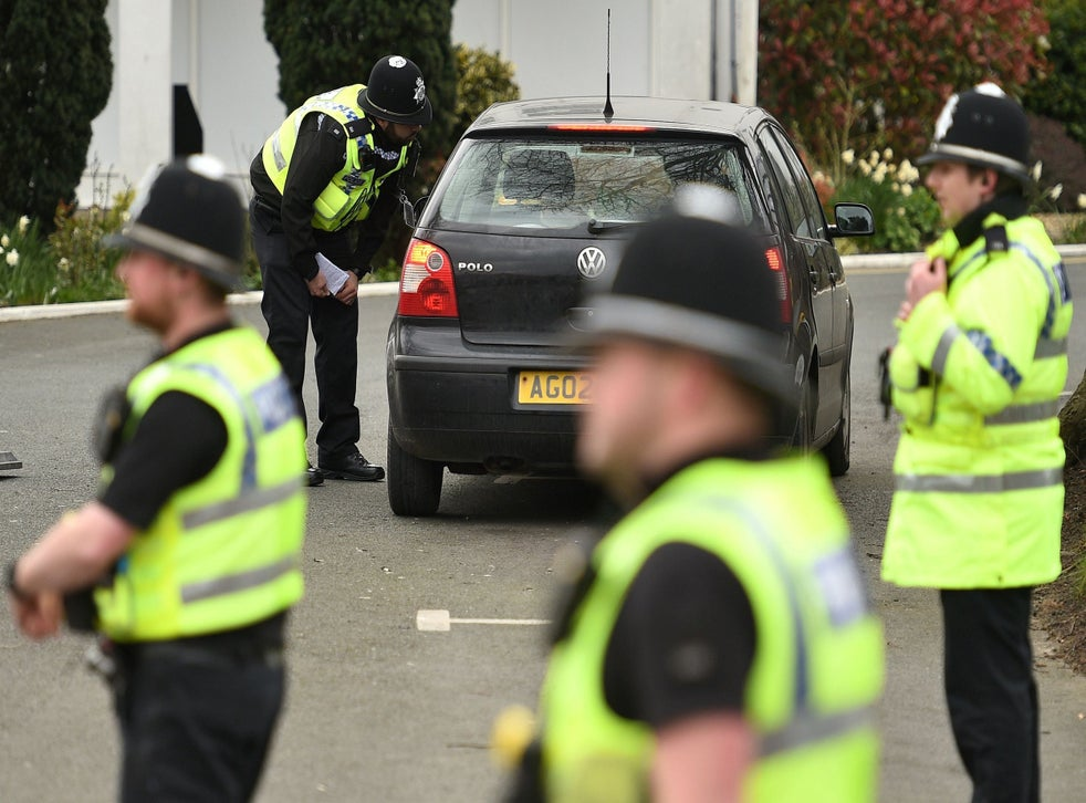 Coronavirus Police Told To Arrest And Fine Public For Breaking Lockdown Rules As Last Resort The Independent The Independent