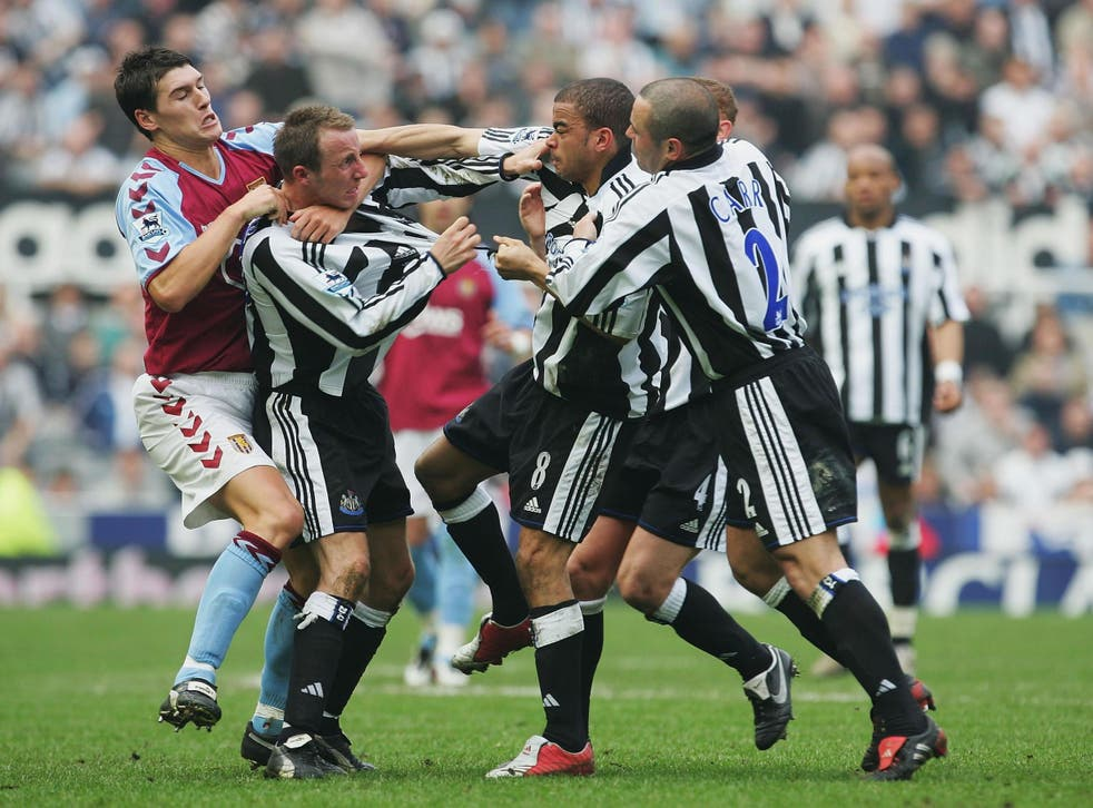 Lee Bowyer, second left, and Kieron Dyer come to blows