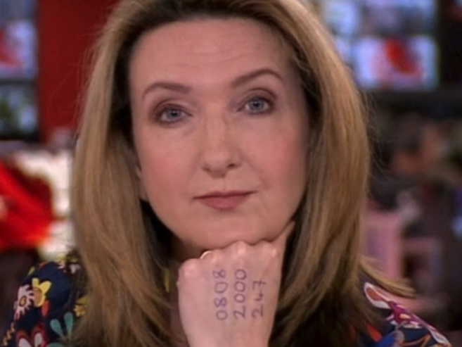 Victoria Derbyshire hosts BBC show with domestic abuse helpline number written on hand